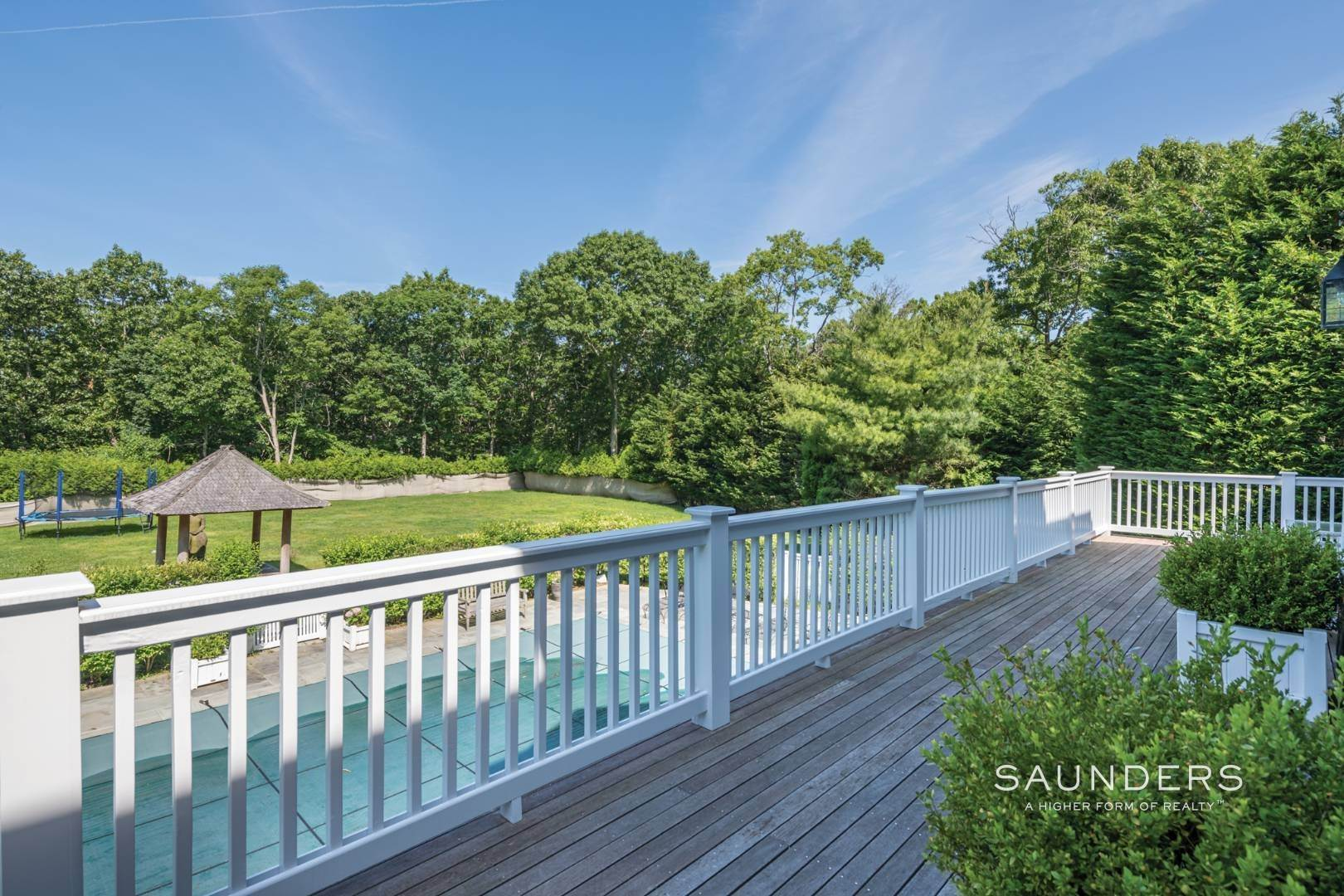 12. Single Family Homes for Sale at Gated Southampton Traditional On 2+ Acres 44 Ocean View Parkway, Southampton, Southampton Town, NY 11968