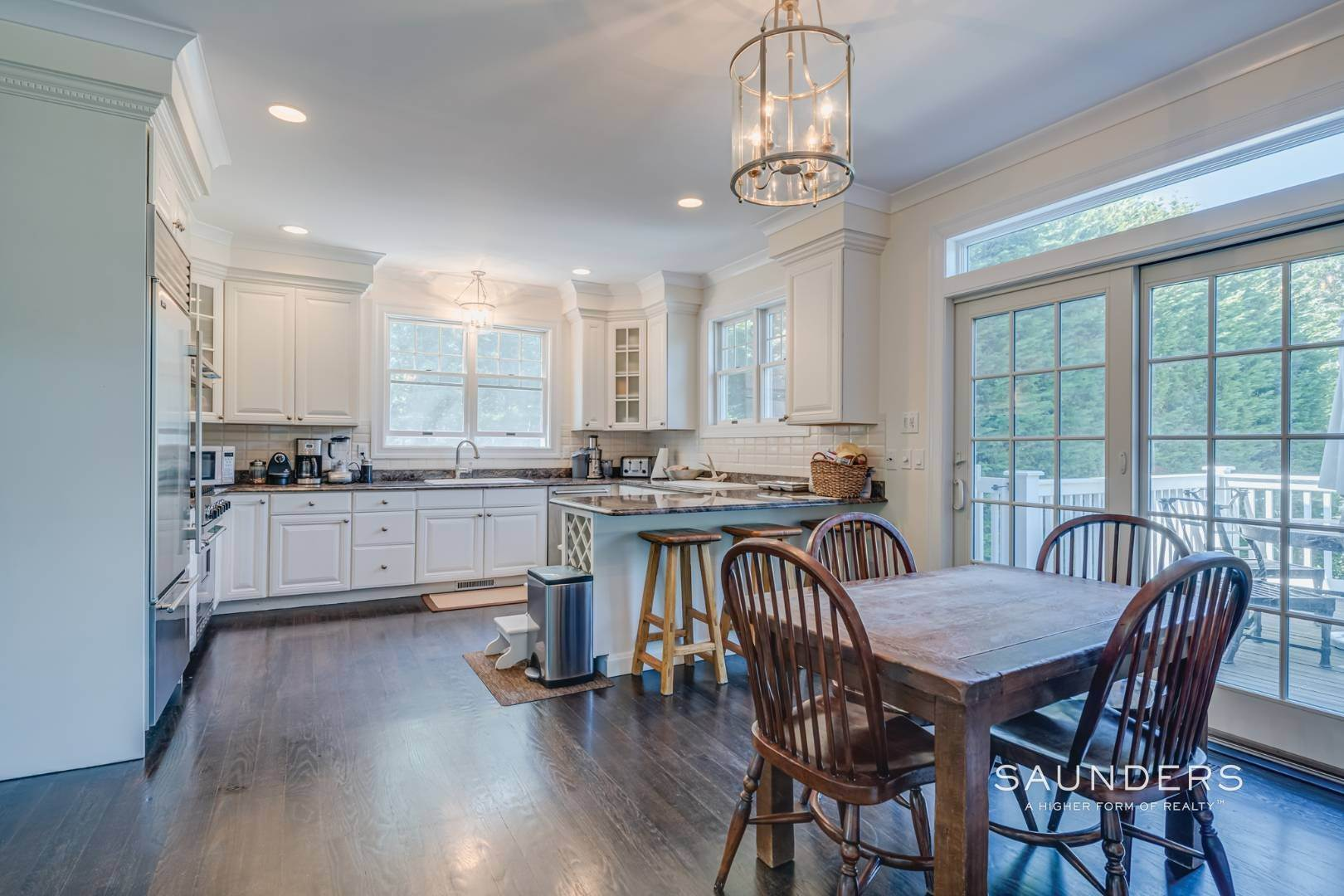 5. Single Family Homes for Sale at Gated Southampton Traditional On 2+ Acres 44 Ocean View Parkway, Southampton, Southampton Town, NY 11968