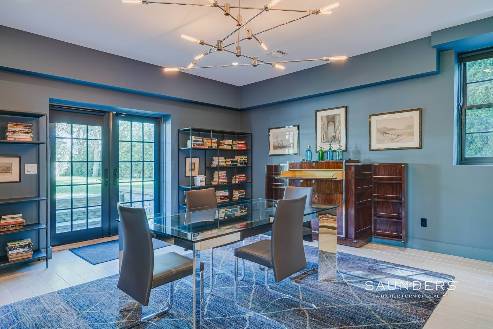 14. Single Family Homes for Sale at Spacious And Private, Consummate Style In Sag Harbor Village 22 Carver Street, Sag Harbor, Southampton Town, NY 11963