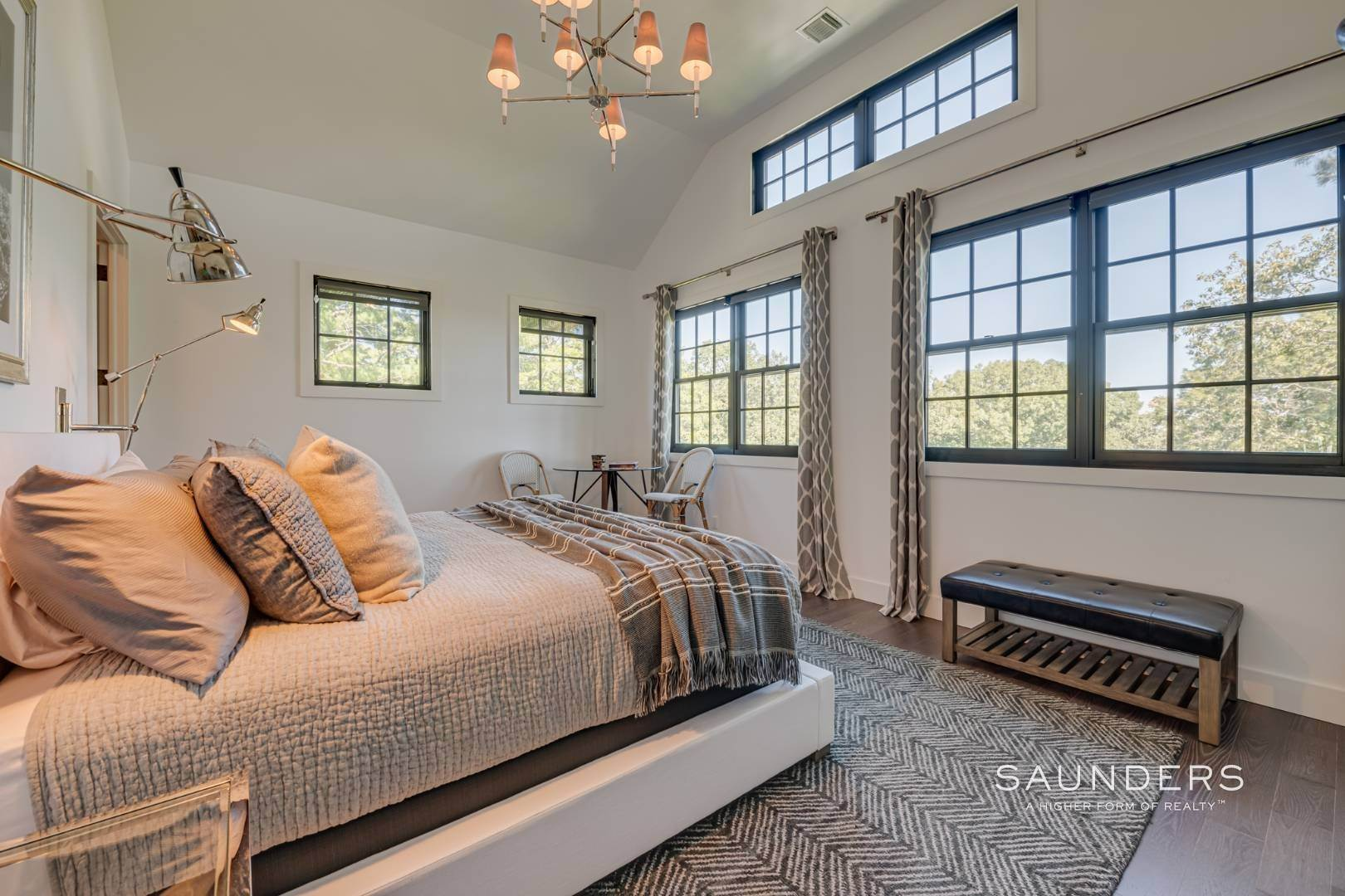8. Single Family Homes for Sale at Spacious And Private, Consummate Style In Sag Harbor Village 22 Carver Street, Sag Harbor, Southampton Town, NY 11963