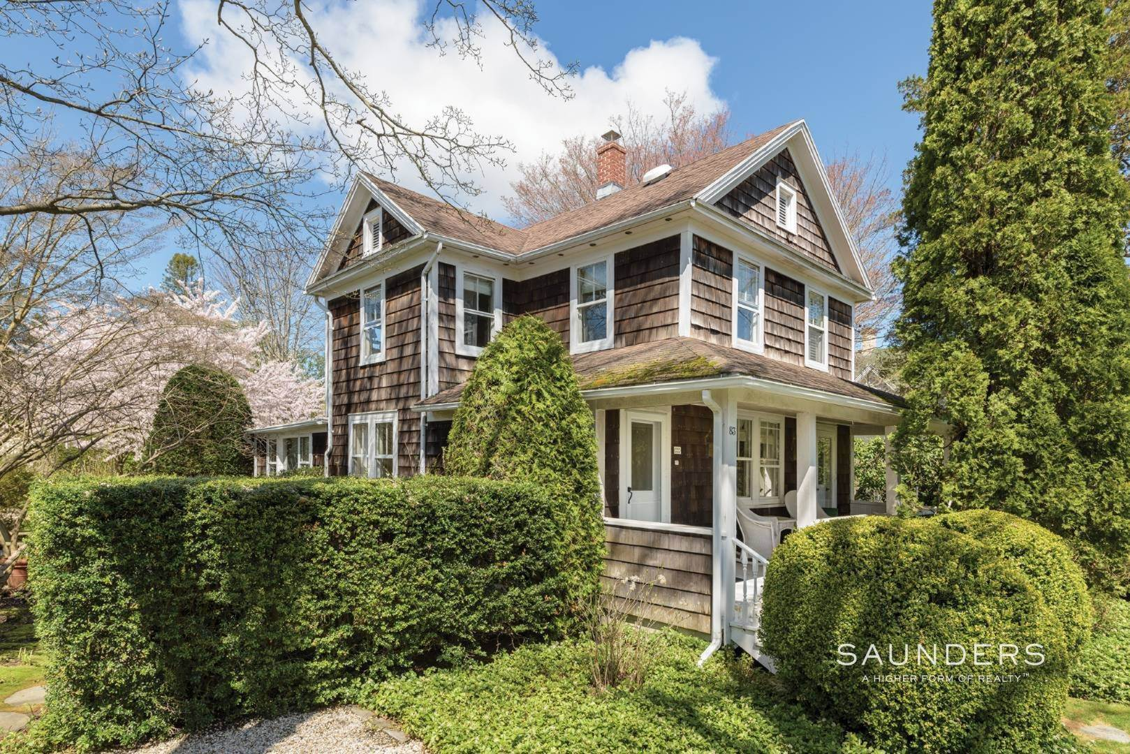 5. Single Family Homes at Cozy On Halsey Street 81 Halsey Street, Southampton, Southampton Town, NY 11968