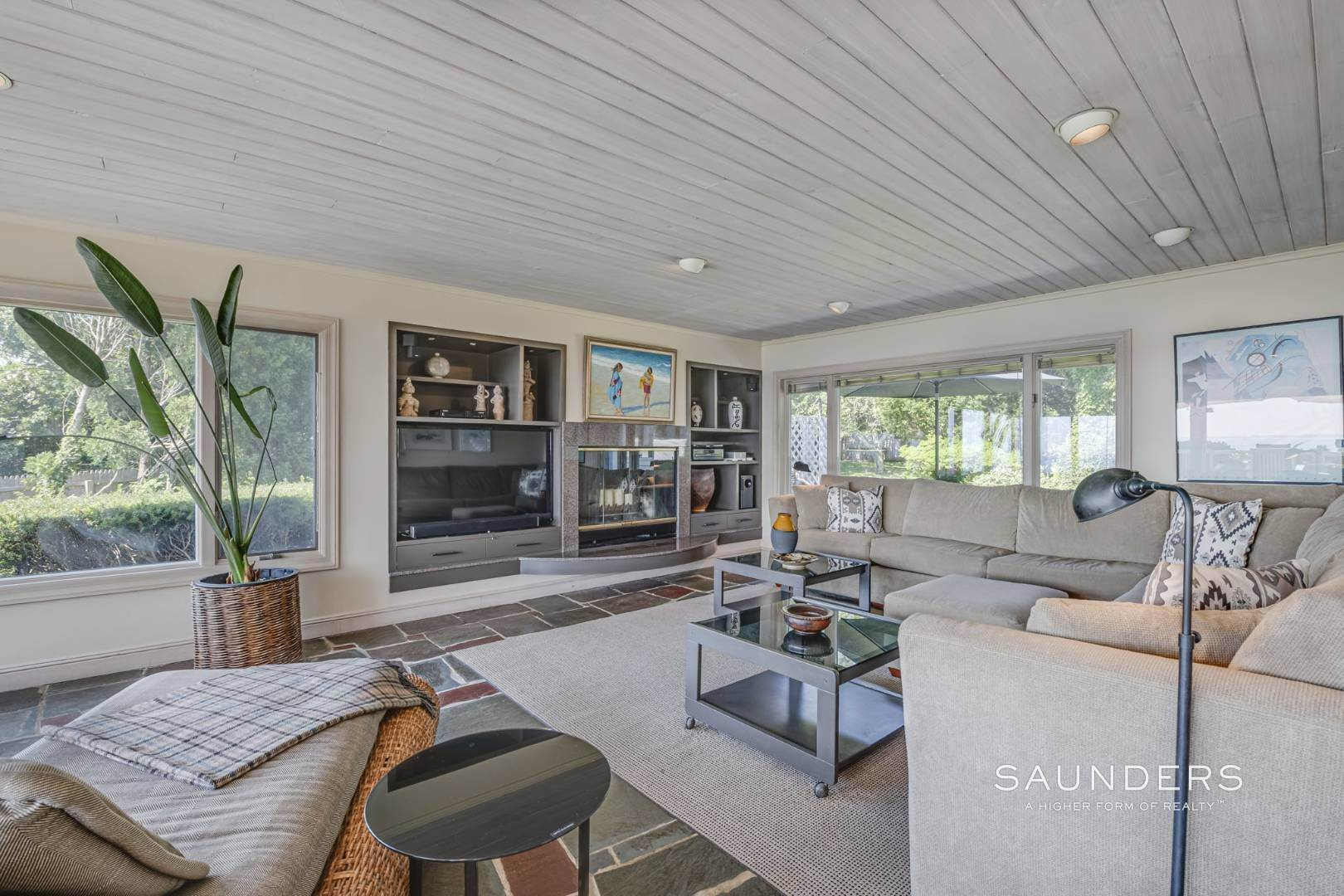 14. Single Family Homes for Sale at Open Bayfront And Boater's Dream 14 Carmel Lane, Hampton Bays, Southampton Town, NY 11946