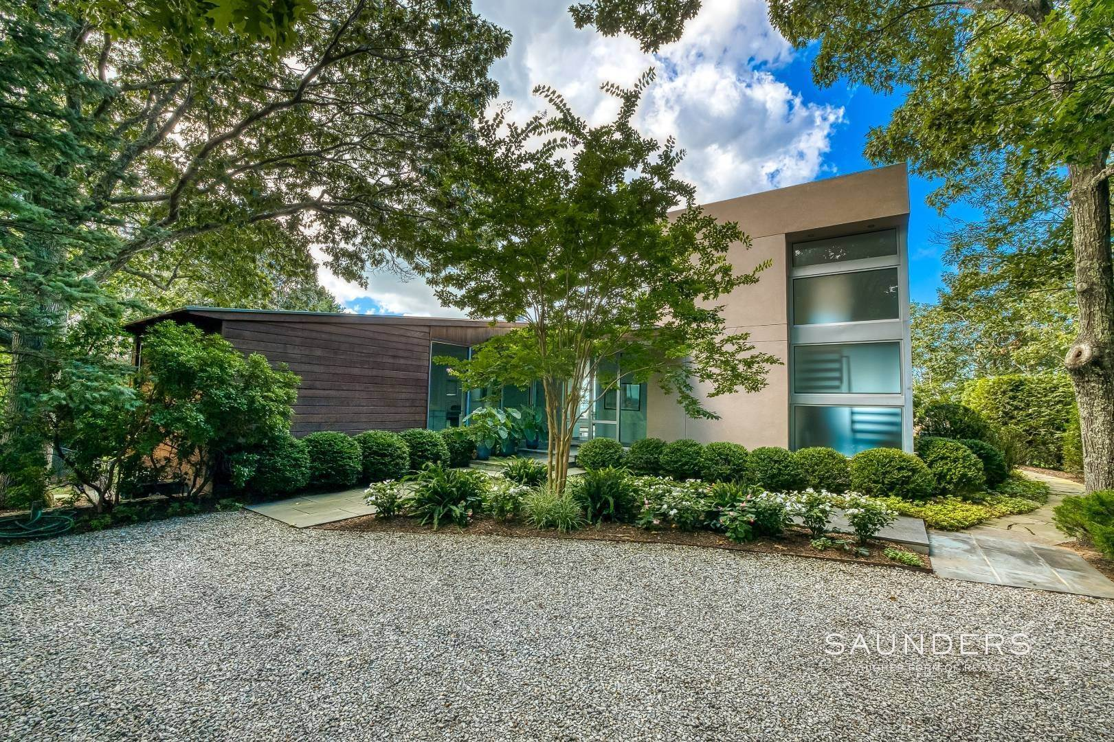 29. Single Family Homes for Sale at Shelter Island Classic Modern 42 Prospect Avenue And 23 Serpentine Drive, Shelter Island Heights, Shelter Island, NY 11965