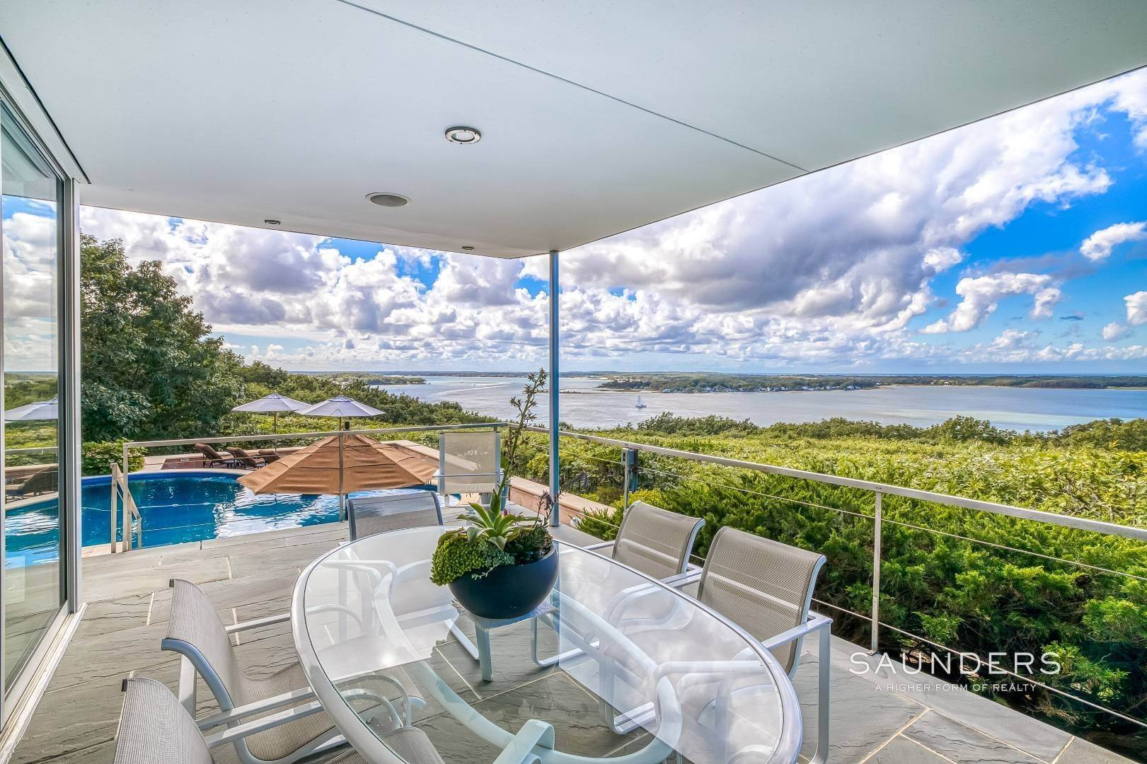 30. Single Family Homes for Sale at Shelter Island Classic Modern 42 Prospect Avenue And 23 Serpentine Drive, Shelter Island Heights, Shelter Island, NY 11965