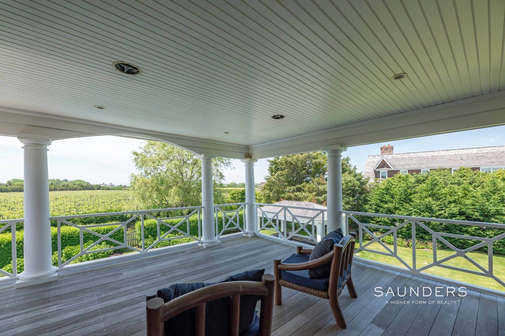 24. Single Family Homes at Bridgehampton South Overlooking A Private Vineyard Bridgehampton, Southampton Town, NY 11932
