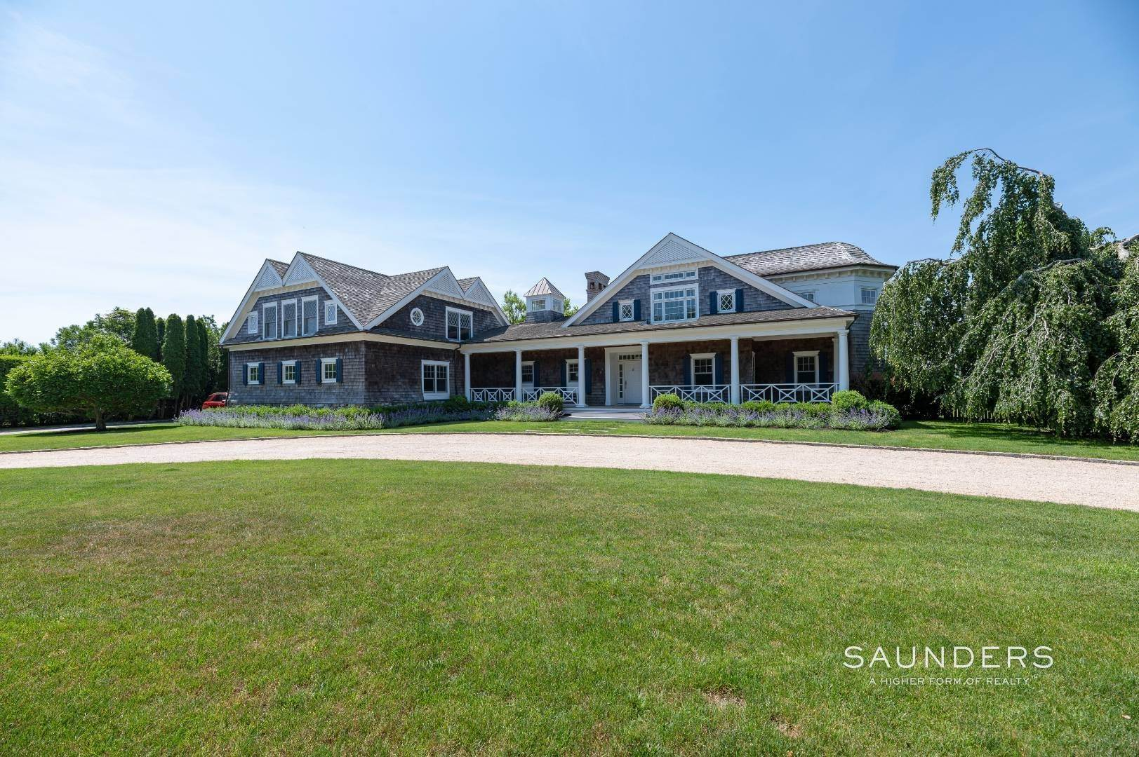 2. Single Family Homes at Bridgehampton South Overlooking A Private Vineyard Bridgehampton, Southampton Town, NY 11932
