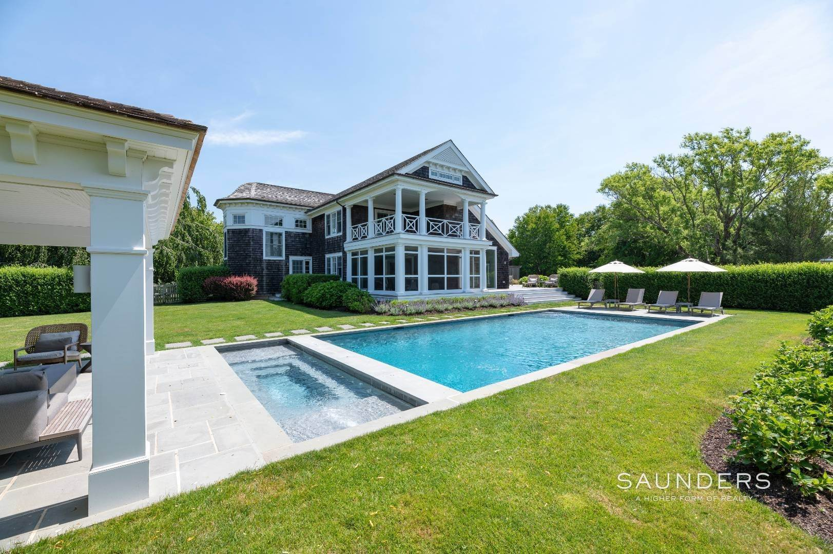 3. Single Family Homes at Bridgehampton South Overlooking A Private Vineyard Bridgehampton, Southampton Town, NY 11932