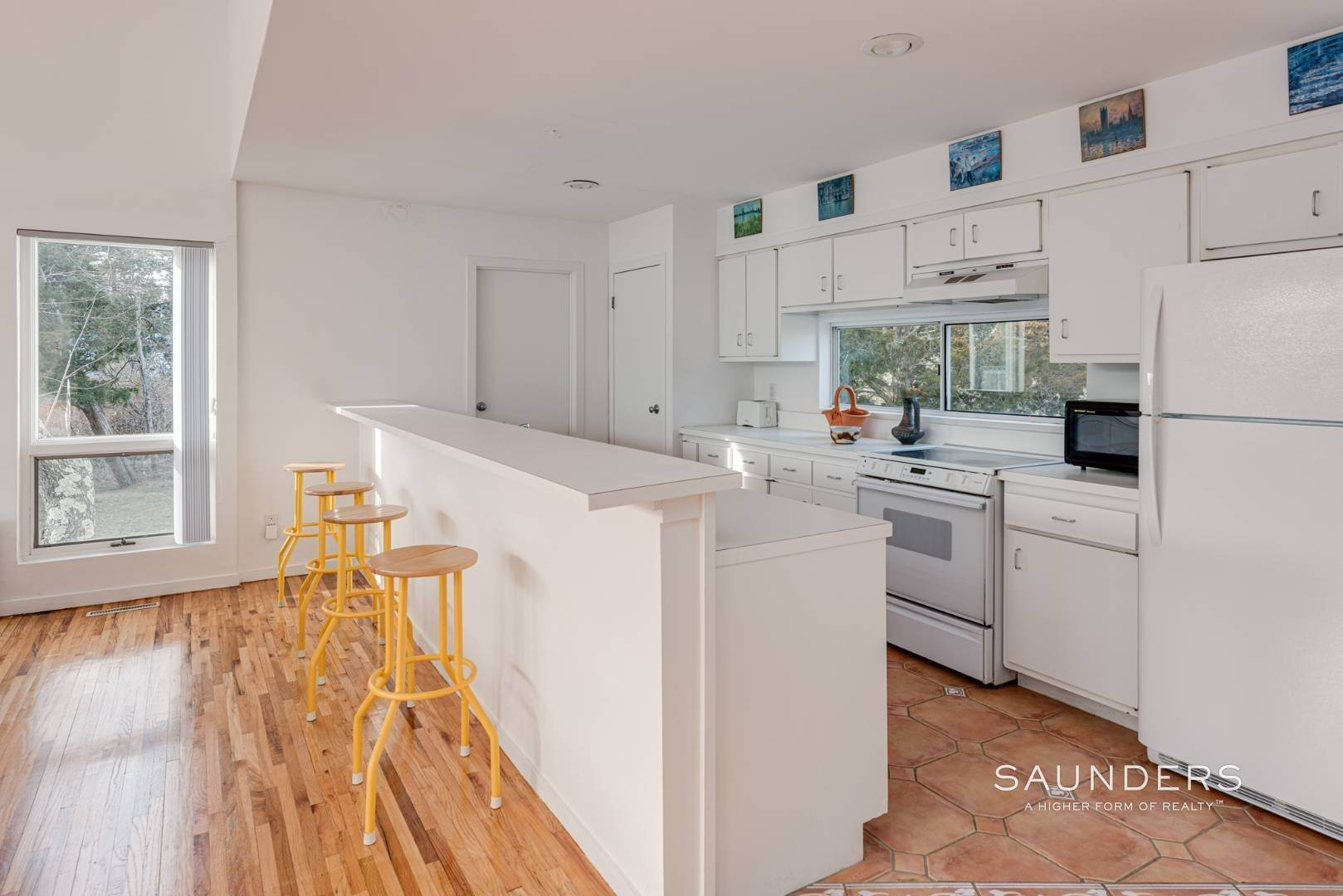 2. Single Family Homes at Centrally Located Summer Retreat 3 Meadow Way, Westhampton Beach Village, Southampton Town, NY 11978