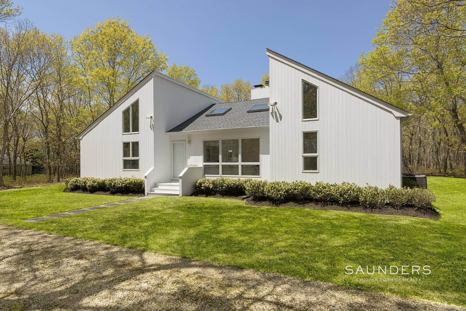 10. Single Family Homes at Chic Contemporary 108 Merchants Path, Sagaponack, Southampton Town, NY 11962