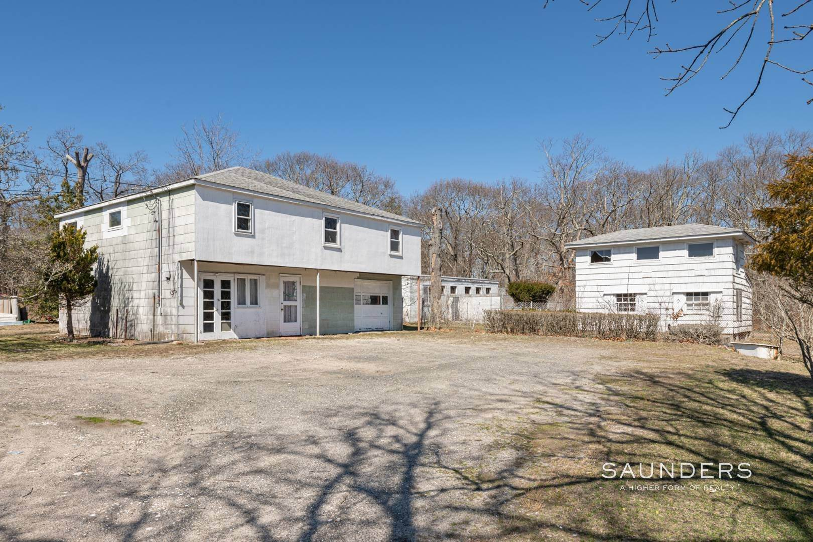 8. Multi-Family Homes for Sale at Flanders Investment Property Opportunity 404 And 406 Flanders Road, Riverside, Southampton Town, NY 11901