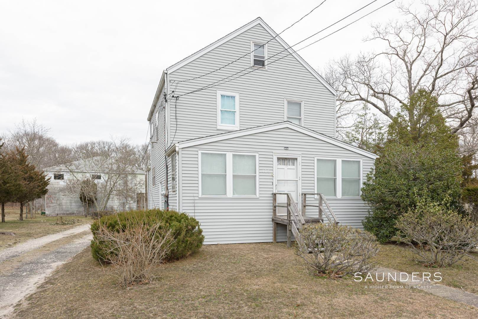 7. Multi-Family Homes for Sale at Flanders Investment Property Opportunity 404 And 406 Flanders Road, Riverside, Southampton Town, NY 11901