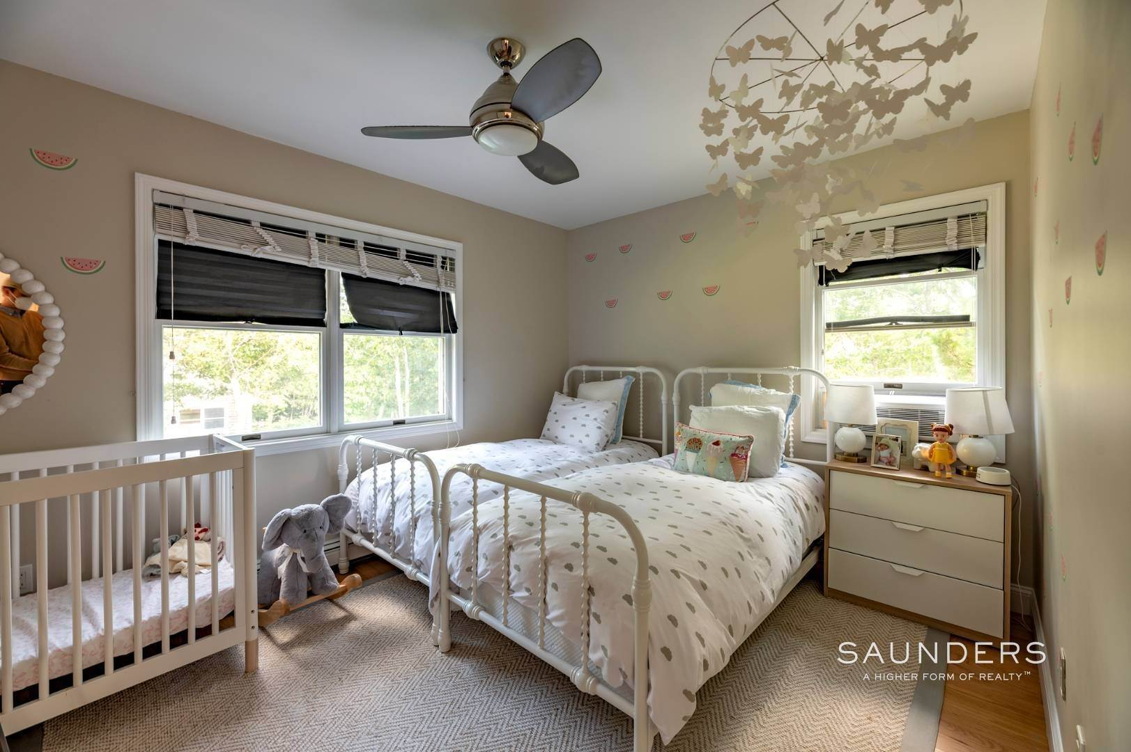 15. Single Family Homes at Sag Harbor Charmer Close To Long Beach 87 Bayview Drive West, Sag Harbor, Southampton Town, NY 11963