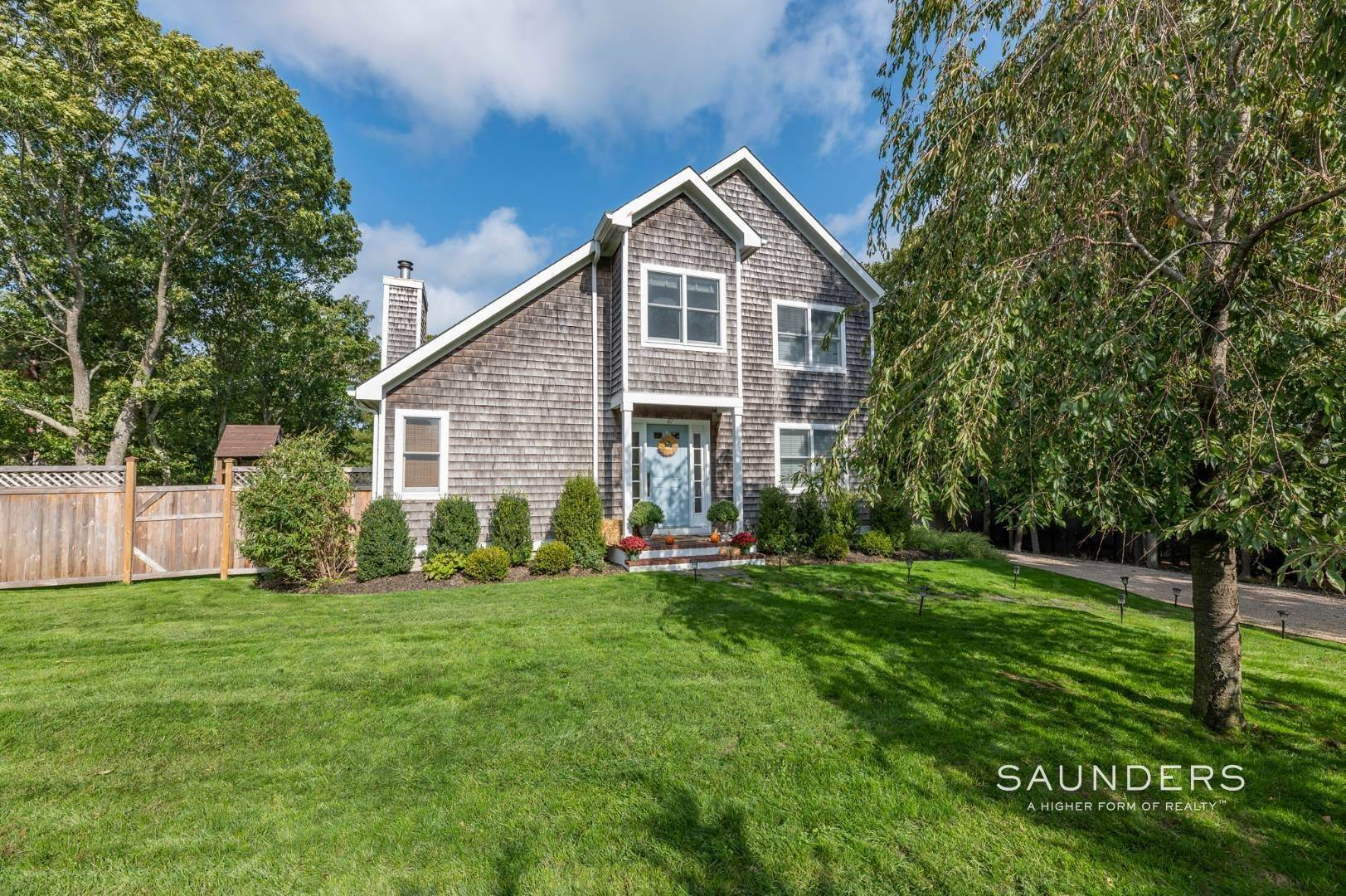 3. Single Family Homes at Sag Harbor Charmer Close To Long Beach 87 Bayview Drive West, Sag Harbor, Southampton Town, NY 11963