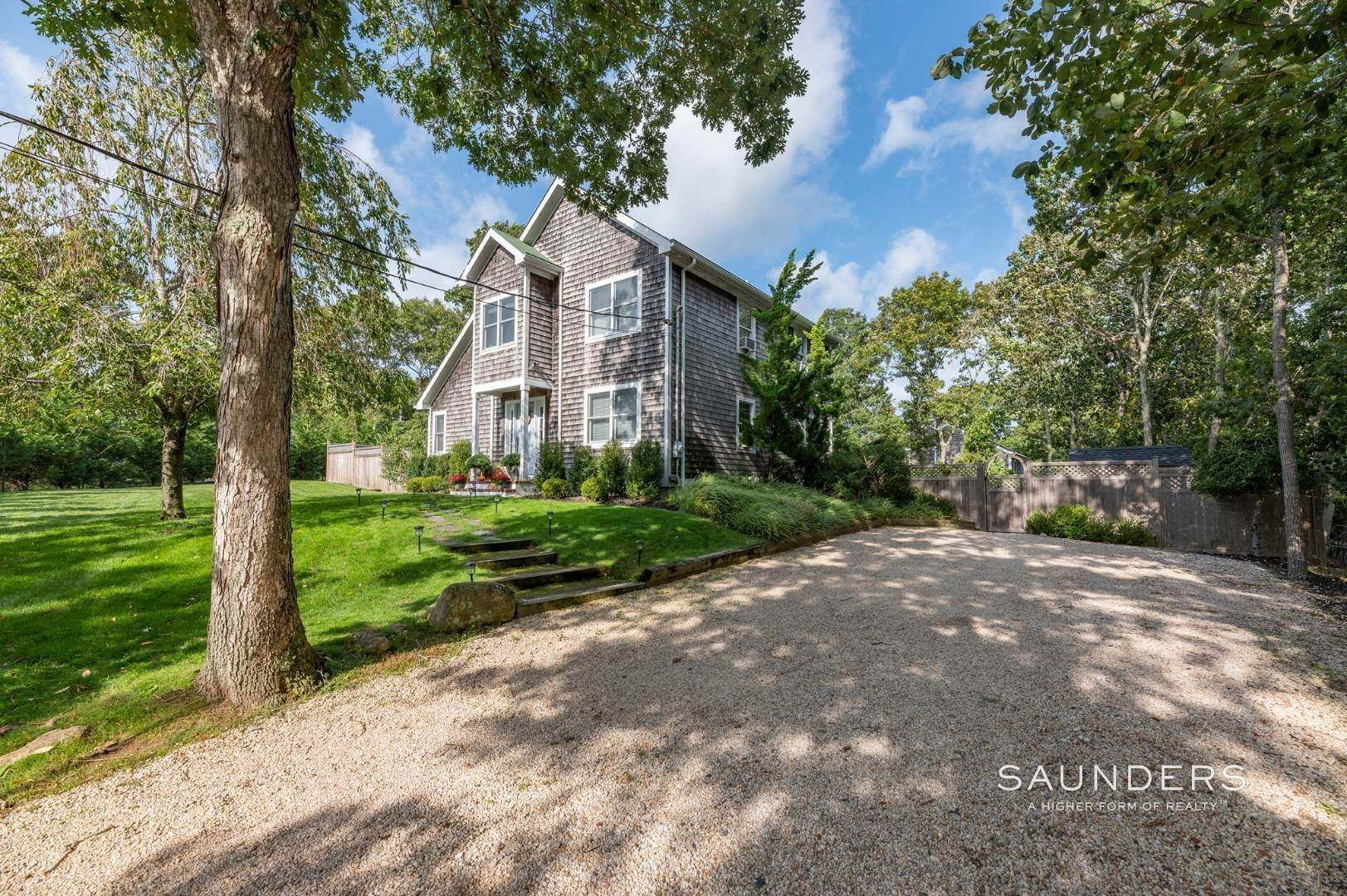 2. Single Family Homes at Sag Harbor Charmer Close To Long Beach 87 Bayview Drive West, Sag Harbor, Southampton Town, NY 11963