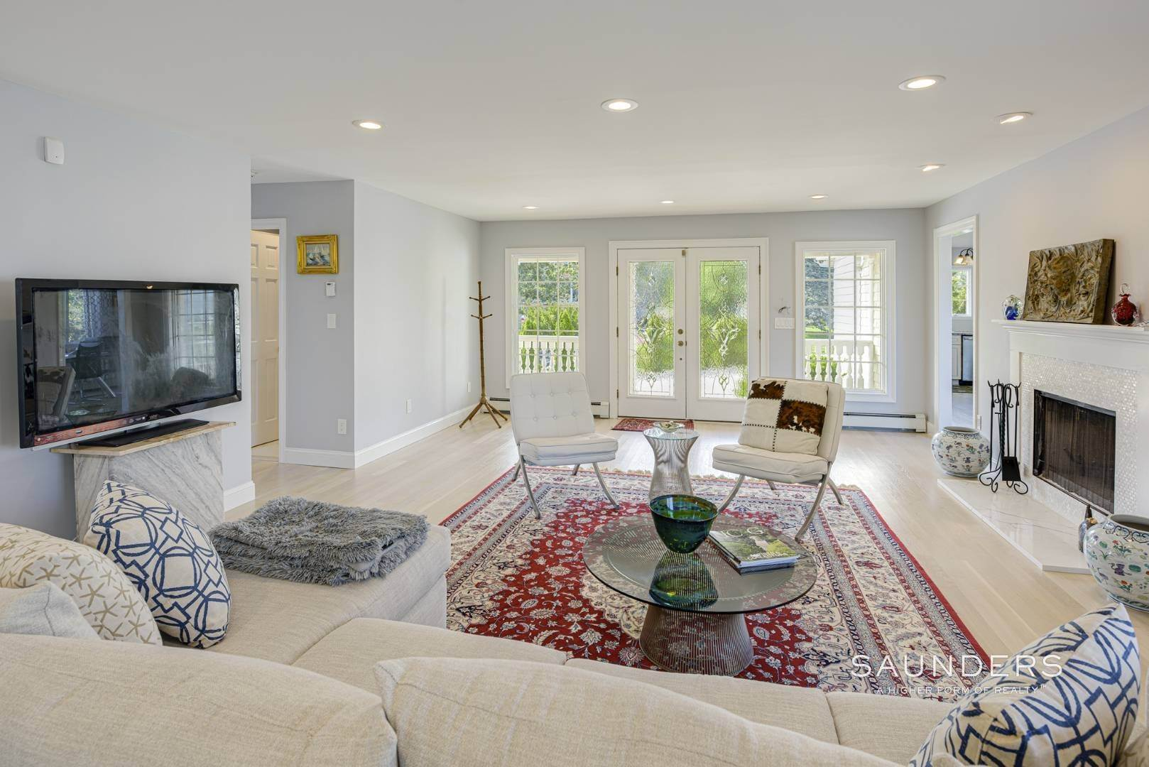 8. Single Family Homes for Sale at Renovated Beach House 39 Inlet Road East, Southampton, Southampton Town, NY 11968