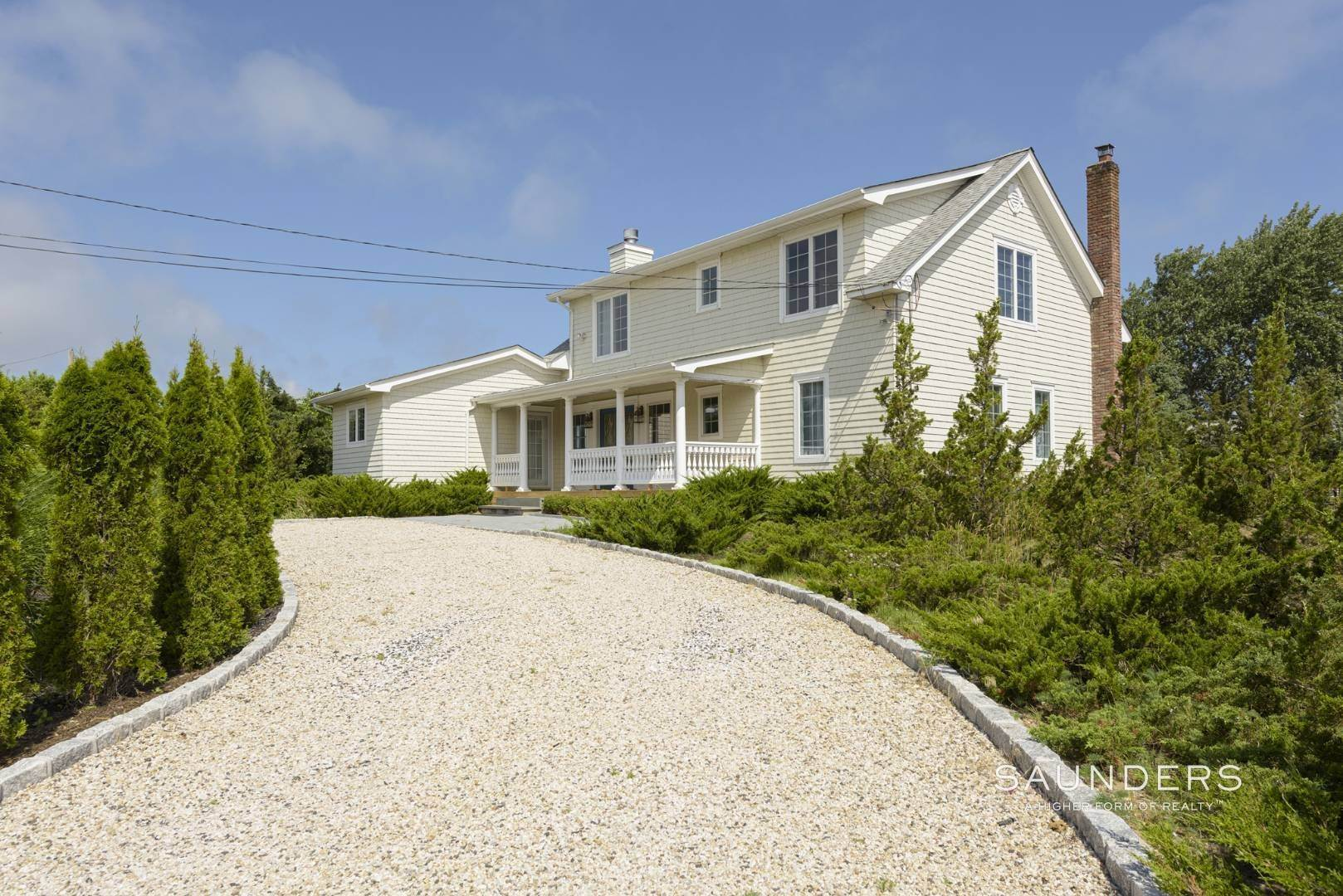4. Single Family Homes for Sale at Renovated Beach House 39 Inlet Road East, Southampton, Southampton Town, NY 11968