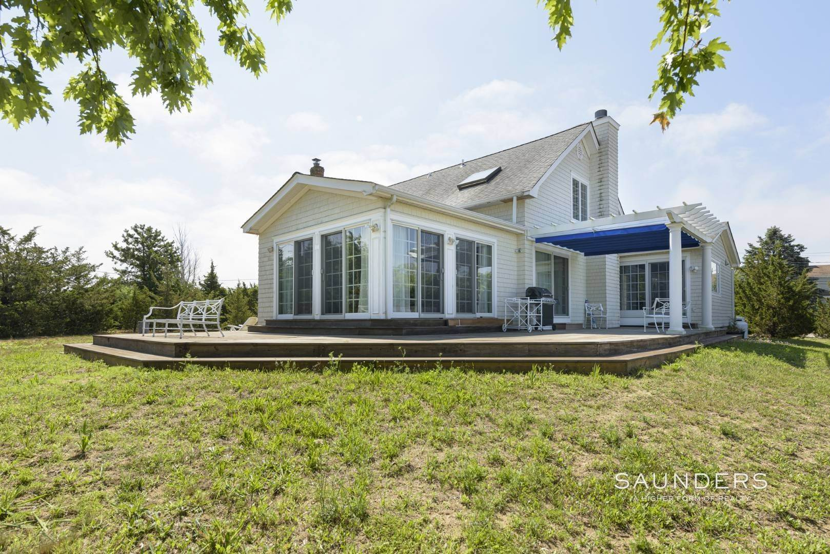 21. Single Family Homes for Sale at Renovated Beach House 39 Inlet Road East, Southampton, Southampton Town, NY 11968