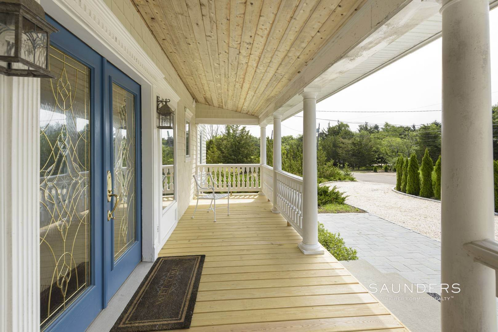 5. Single Family Homes for Sale at Renovated Beach House 39 Inlet Road East, Southampton, Southampton Town, NY 11968