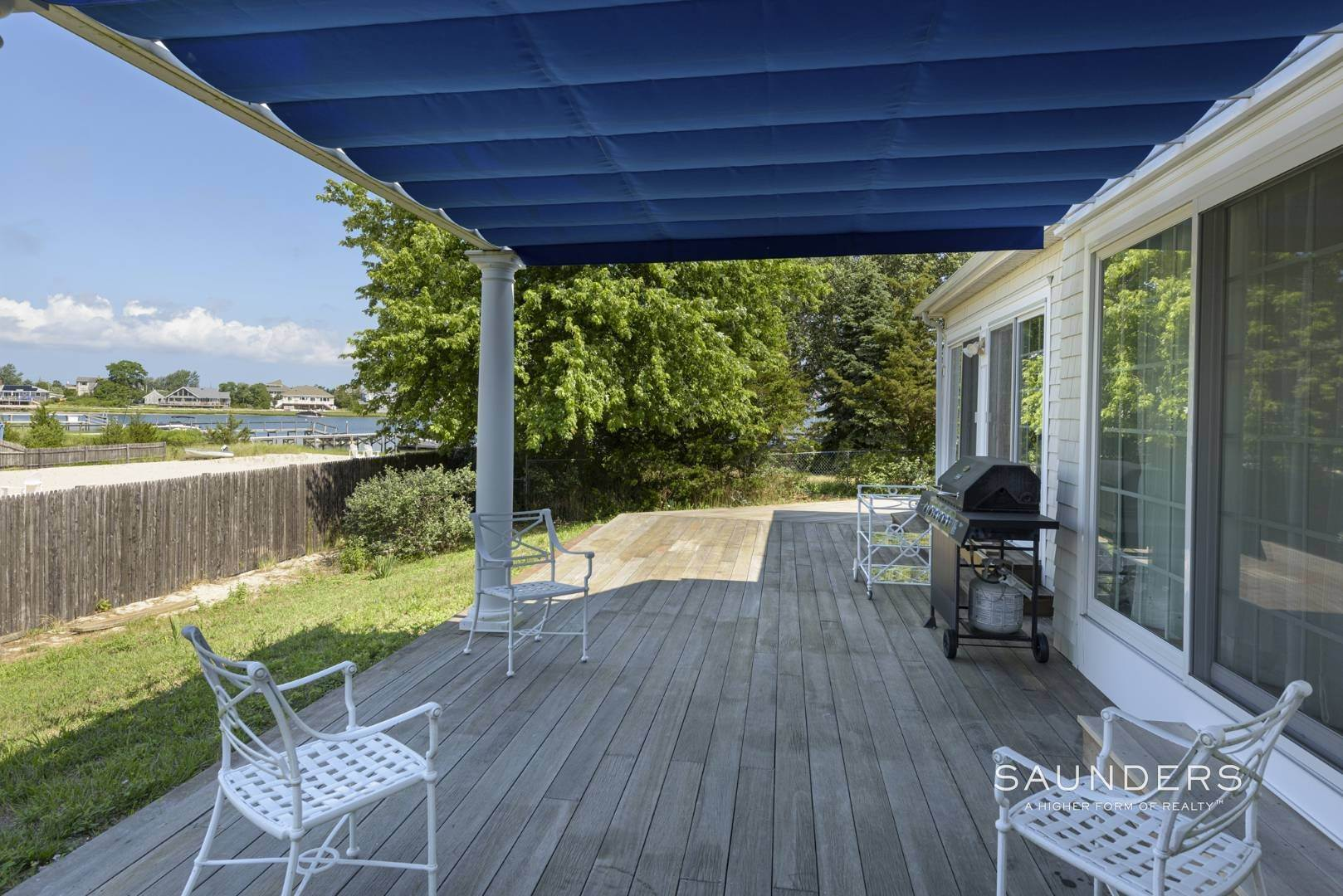 12. Single Family Homes for Sale at Renovated Beach House 39 Inlet Road East, Southampton, Southampton Town, NY 11968