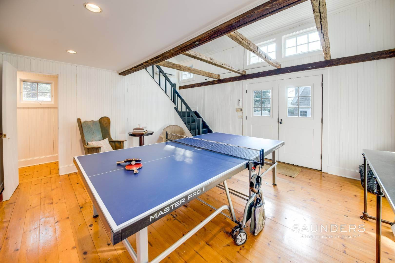 18. Single Family Homes for Sale at Egypt Lane Charmer 24 Egypt Lane, East Hampton, East Hampton Town, NY 11937
