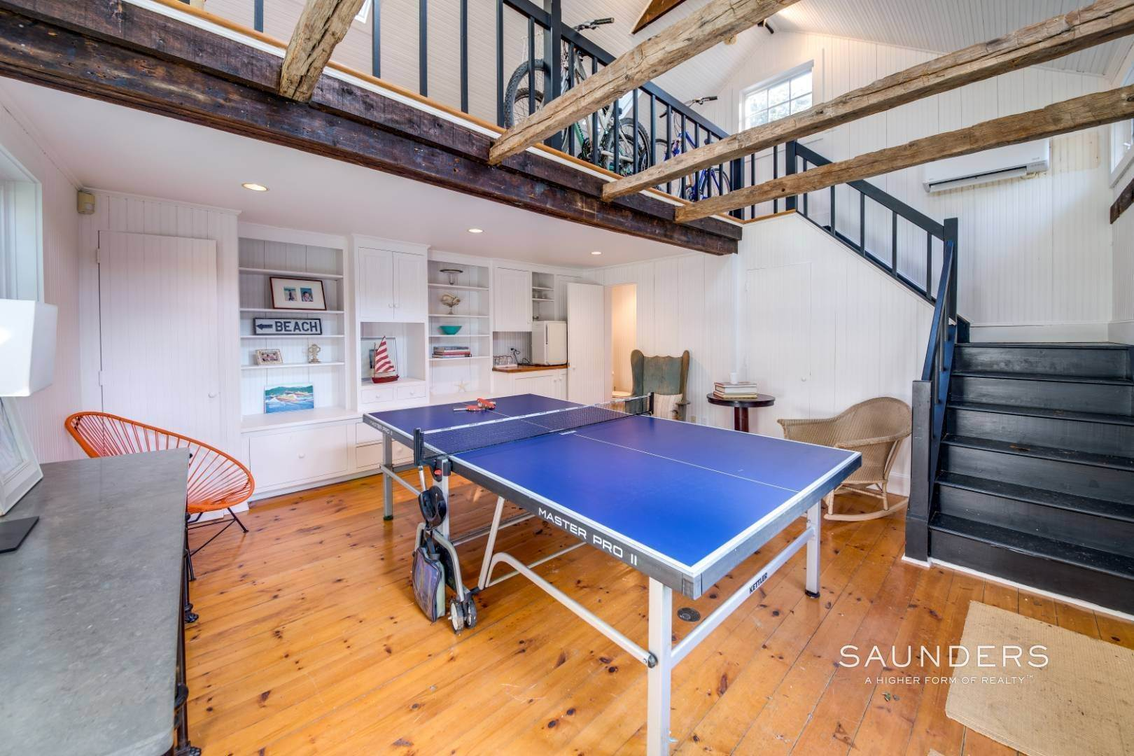 19. Single Family Homes for Sale at Egypt Lane Charmer 24 Egypt Lane, East Hampton, East Hampton Town, NY 11937