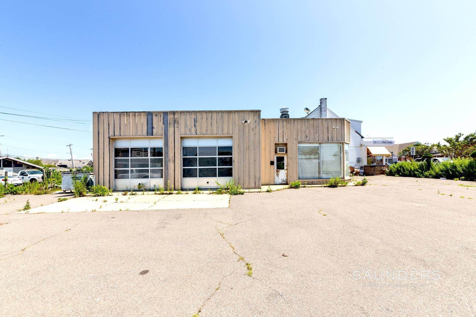 5. Commercial for Sale at Heart Of Montauk- Commercial Property For Sale 717 Montauk Highway, Montauk, East Hampton Town, NY 11954