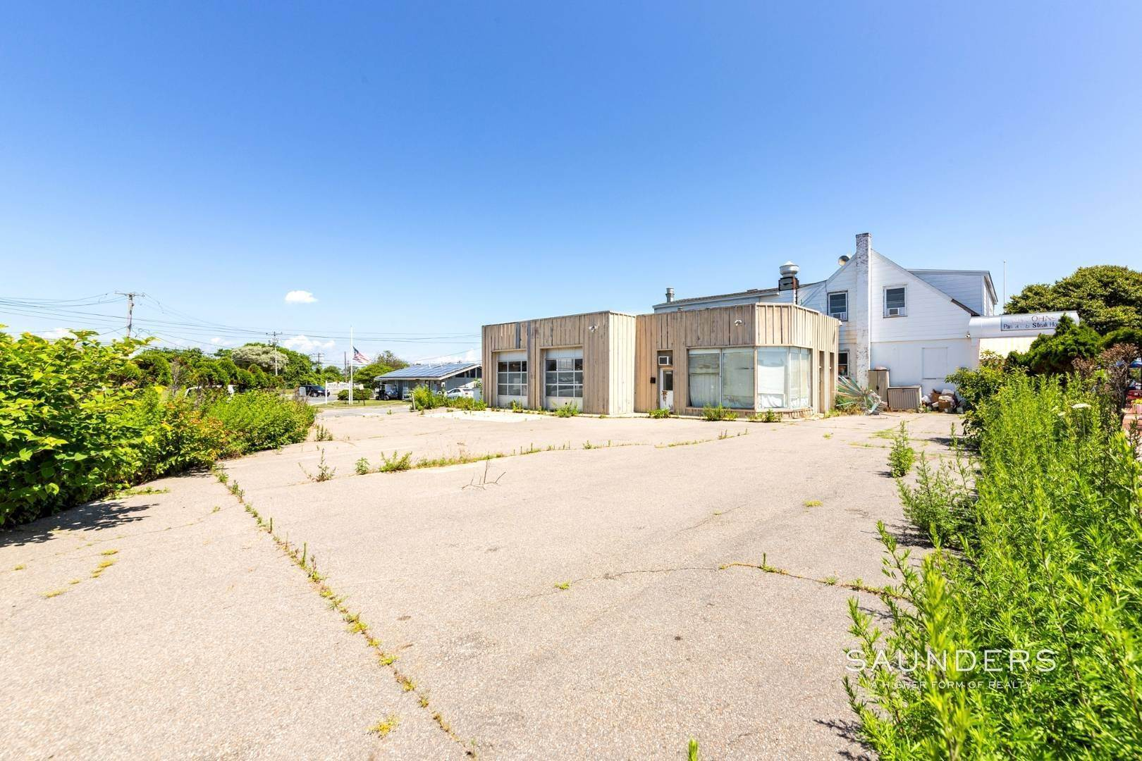 4. Commercial for Sale at Heart Of Montauk- Commercial Property For Sale 717 Montauk Highway, Montauk, East Hampton Town, NY 11954
