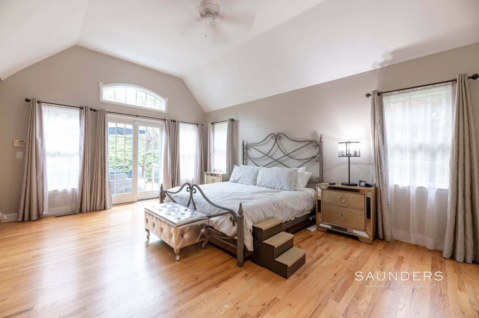 7. Single Family Homes at Immaculate Seasonal Rental -Southampton Pines 139 Maggie Drive, East Quogue, Southampton Town, NY 11942