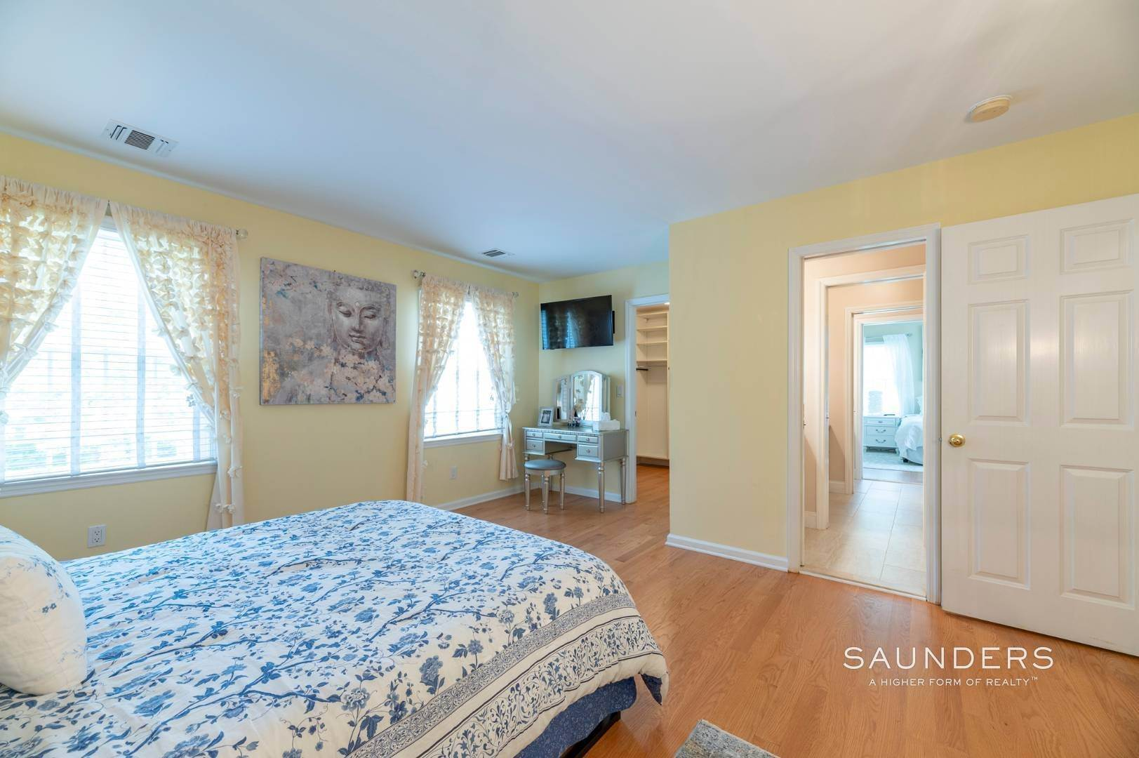 11. Single Family Homes at Immaculate Seasonal Rental -Southampton Pines 139 Maggie Drive, East Quogue, Southampton Town, NY 11942