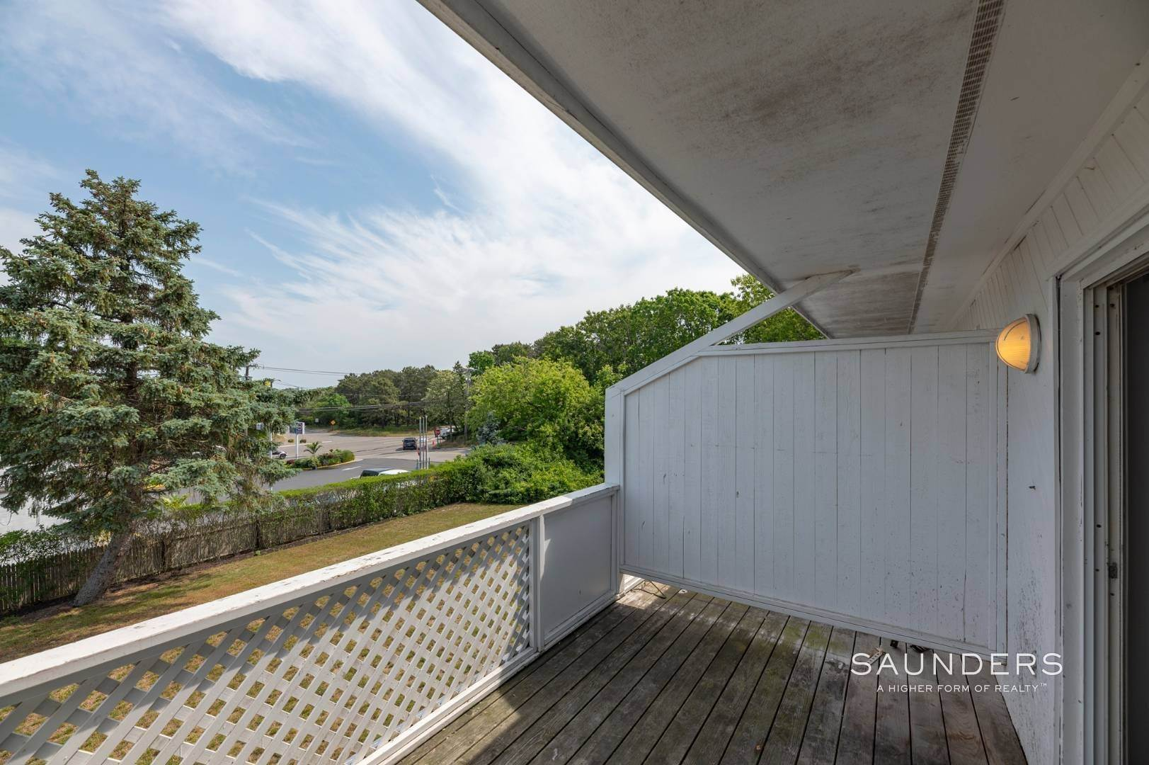 13. Commercial for Sale at Just Listed! Southampton Hotel 161 Hills Station Road, Southampton, Southampton Town, NY 11968
