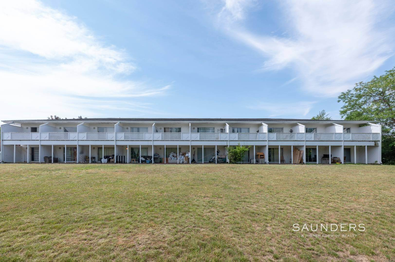 23. Commercial for Sale at Just Listed! Southampton Hotel 161 Hills Station Road, Southampton, Southampton Town, NY 11968