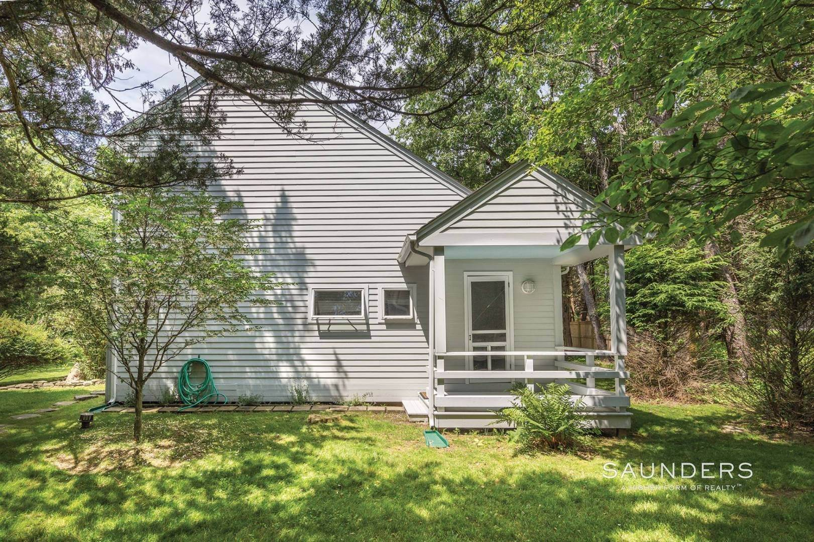 22. Single Family Homes for Sale at Shelter Island European Country Modern With Pool 30 Baldwin Road, Shelter Island, NY 11964