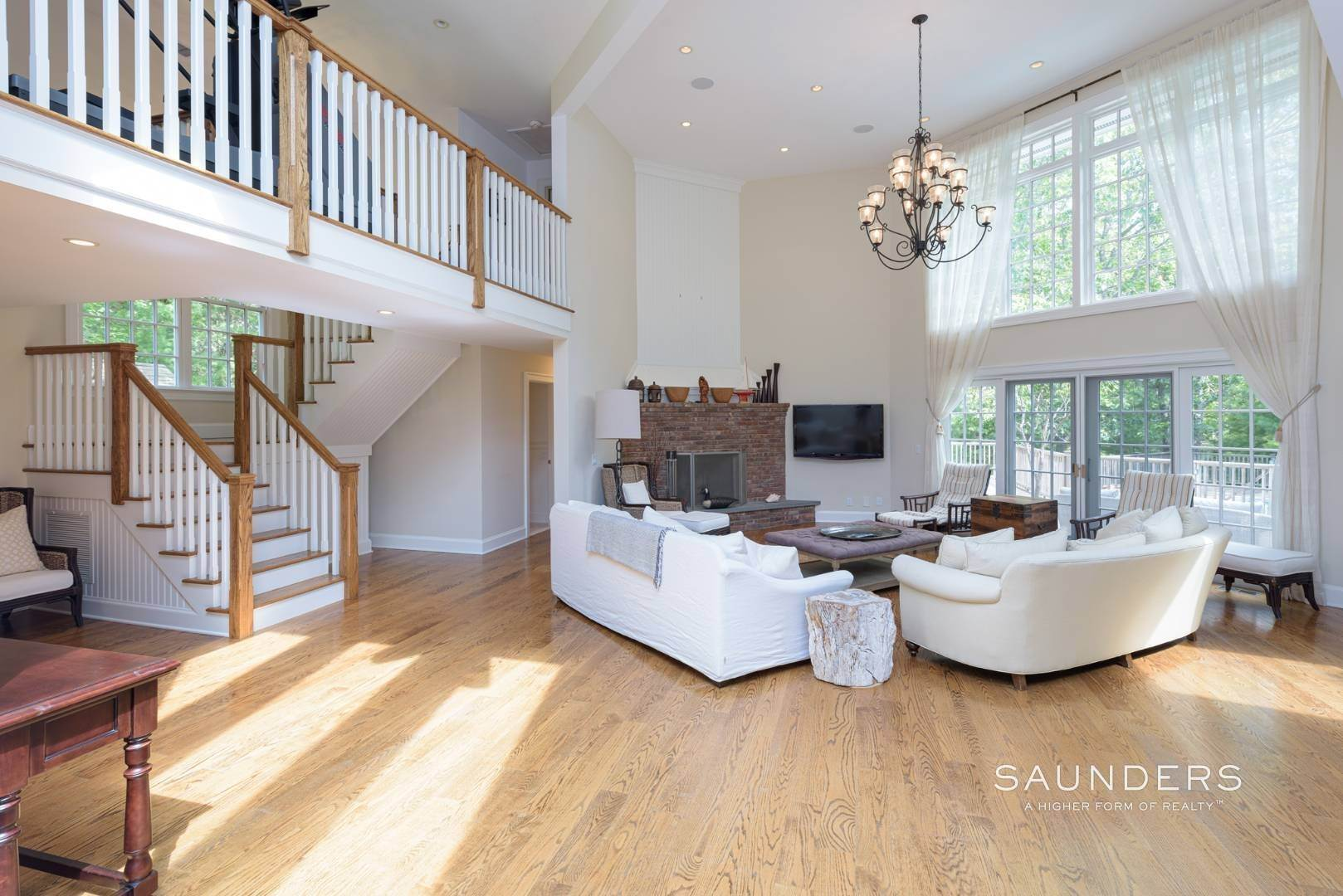 10. Single Family Homes for Sale at Entertain In East Hampton 14 Joshua's Path, East Hampton, East Hampton Town, NY 11937