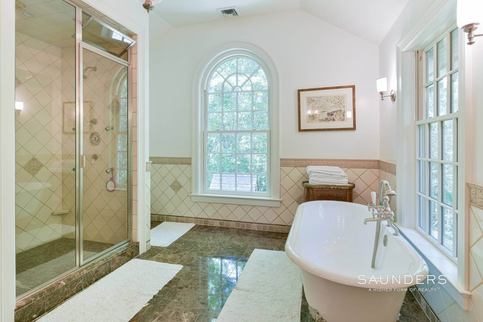 16. Single Family Homes for Sale at Entertain In East Hampton 14 Joshua's Path, East Hampton, East Hampton Town, NY 11937