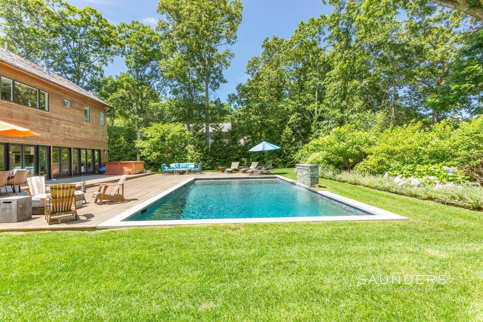 4. Single Family Homes for Sale at A World Of Its Own 38 13th Street, East Hampton, East Hampton Town, NY 11937