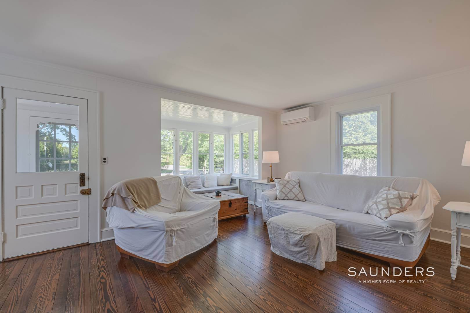 4. Single Family Homes for Sale at Charming Quogue Cottage South Of The Highway 34 Lamb Avenue, Quogue Village, Southampton Town, NY 11959