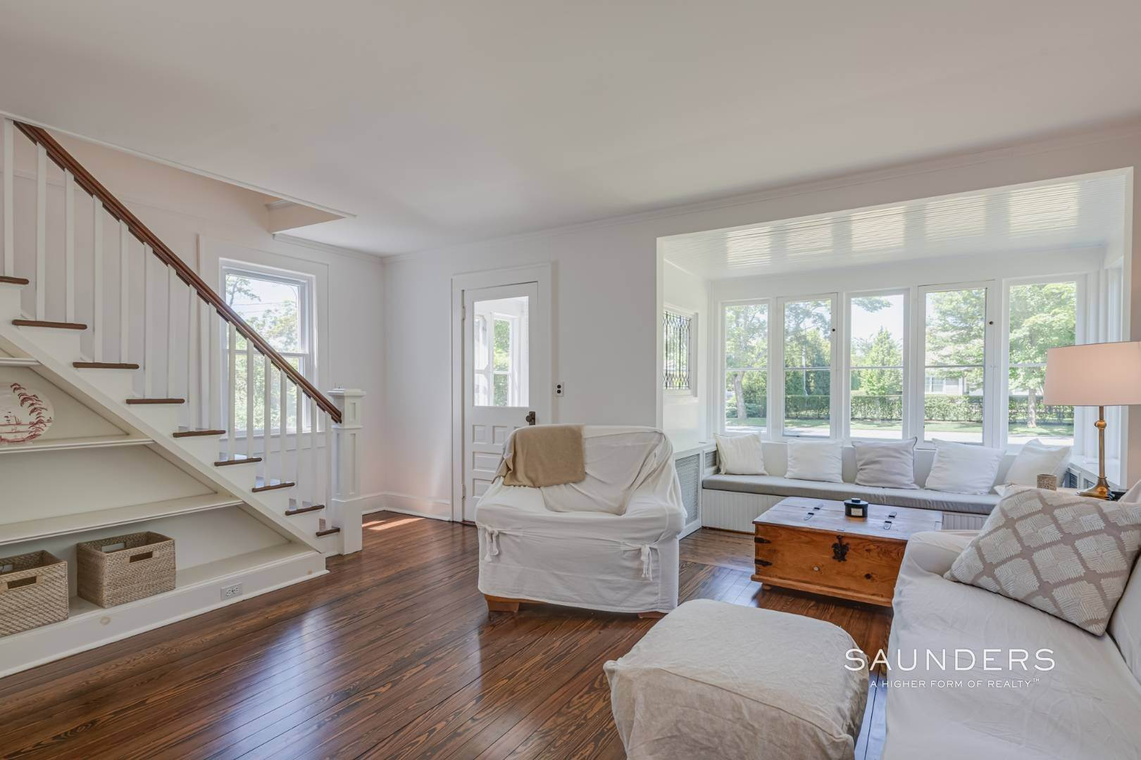 5. Single Family Homes for Sale at Charming Quogue Cottage South Of The Highway 34 Lamb Avenue, Quogue Village, Southampton Town, NY 11959