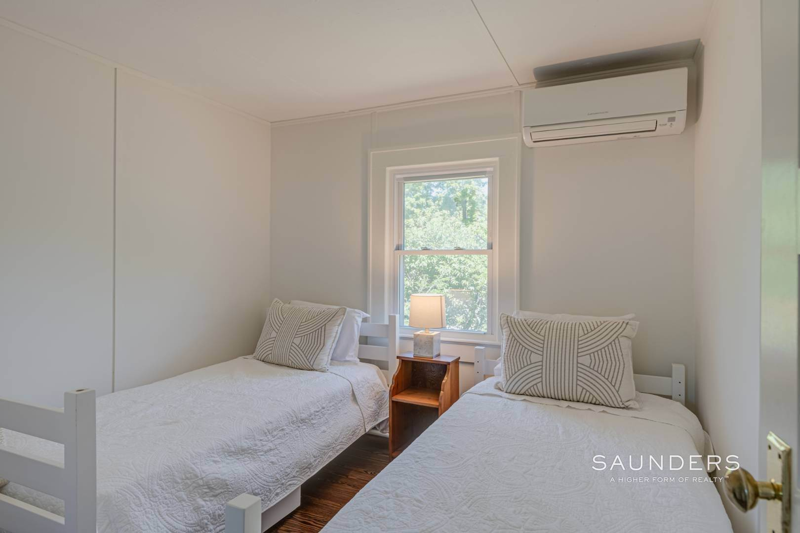 12. Single Family Homes for Sale at Charming Quogue Cottage South Of The Highway 34 Lamb Avenue, Quogue Village, Southampton Town, NY 11959