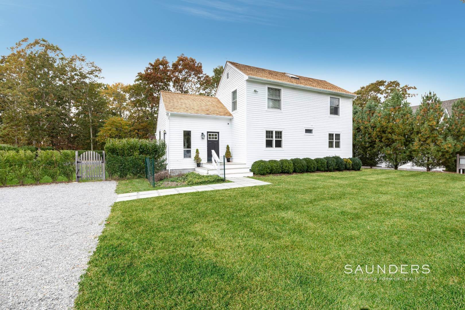 Single Family Homes at Sag Village Modern Saltbox 54 Joels Lane, Sag Harbor, Southampton Town, NY 11963
