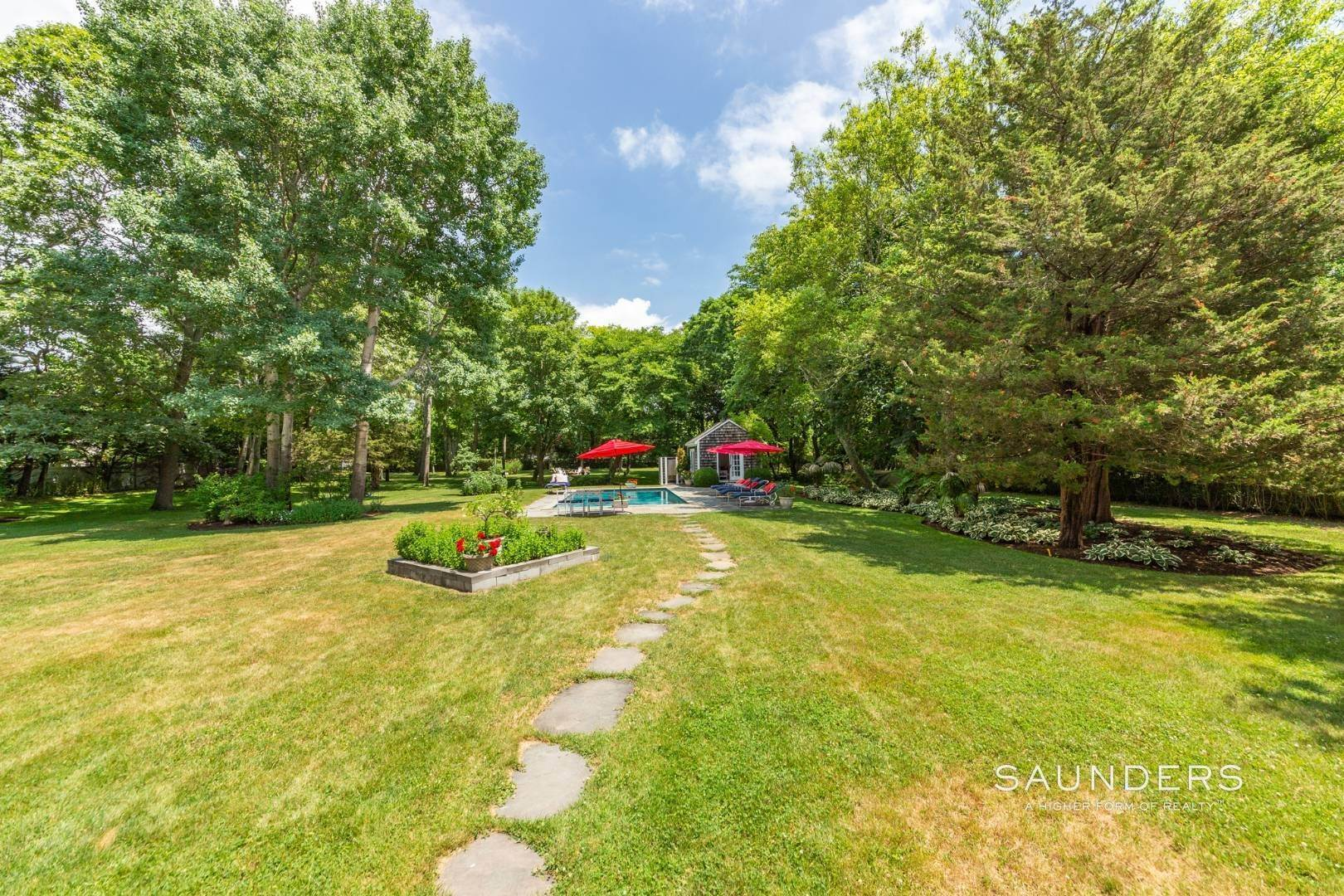 26. Single Family Homes for Sale at Eh Village Edge With Tennis Possible 170 Cedar Street, East Hampton, East Hampton Town, NY 11937