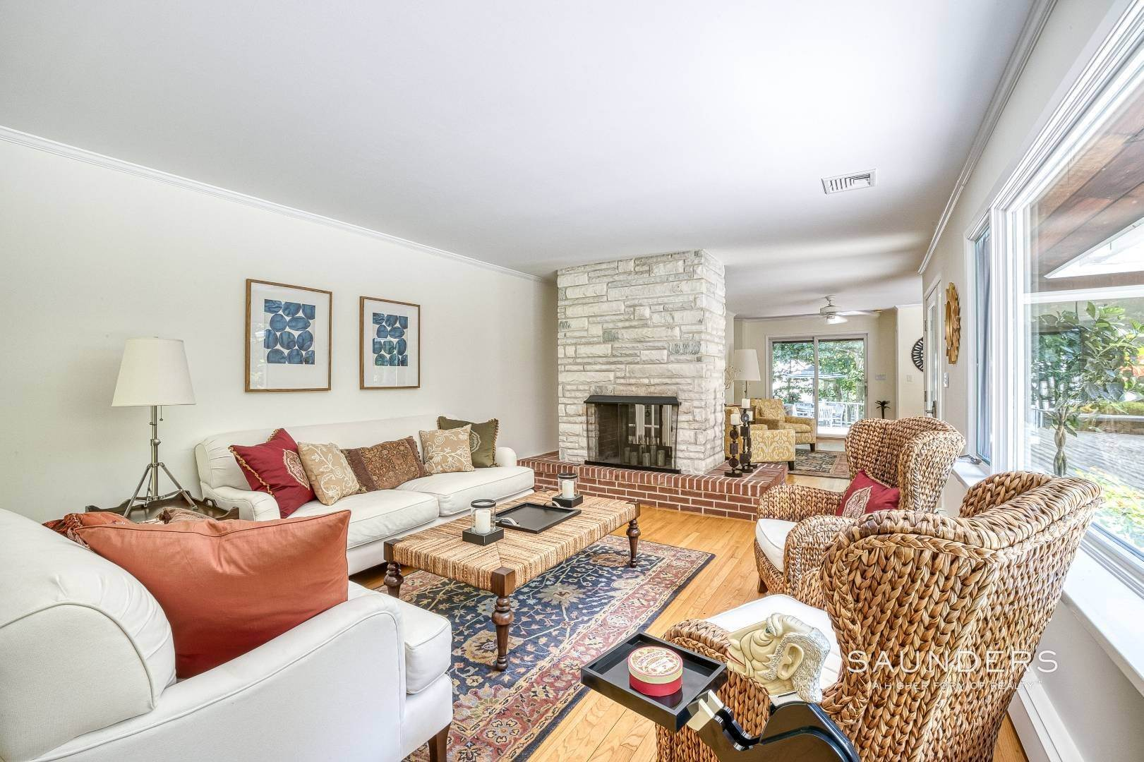 14. Single Family Homes for Sale at Shelter Island Resort Style Retreat With Pool Near Beach 8 Hay Beach Road, Shelter Island Heights, Shelter Island, NY 11964