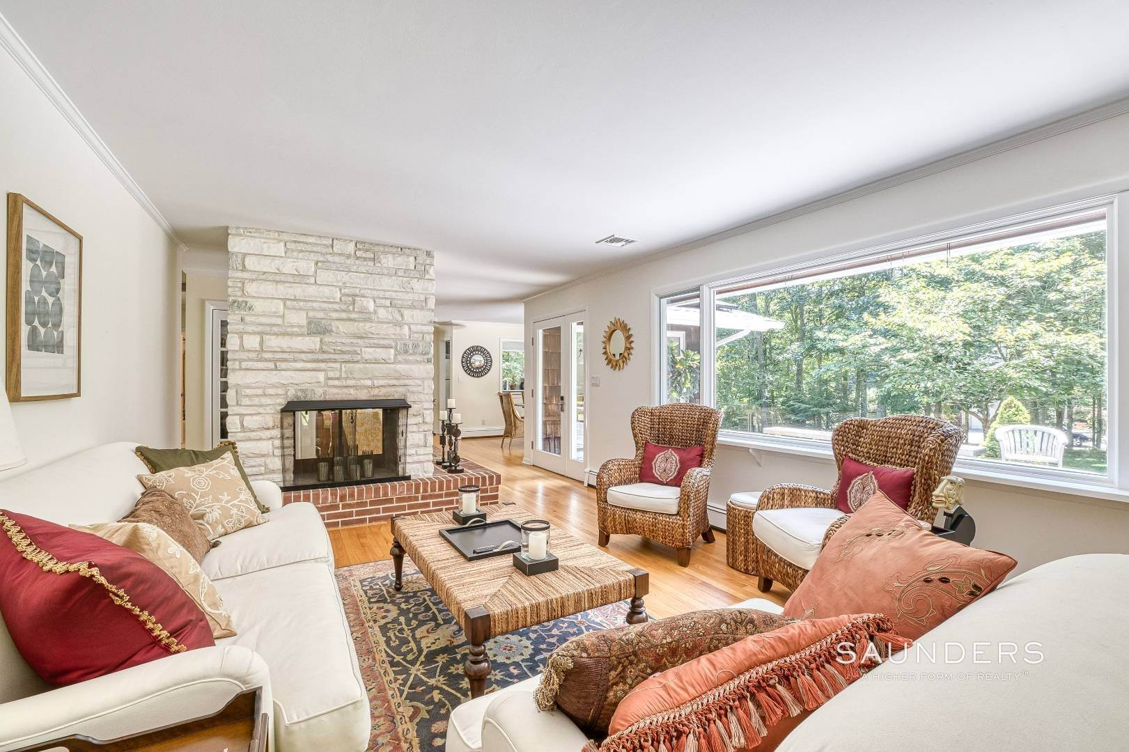 15. Single Family Homes for Sale at Shelter Island Resort Style Retreat With Pool Near Beach 8 Hay Beach Road, Shelter Island Heights, Shelter Island, NY 11964