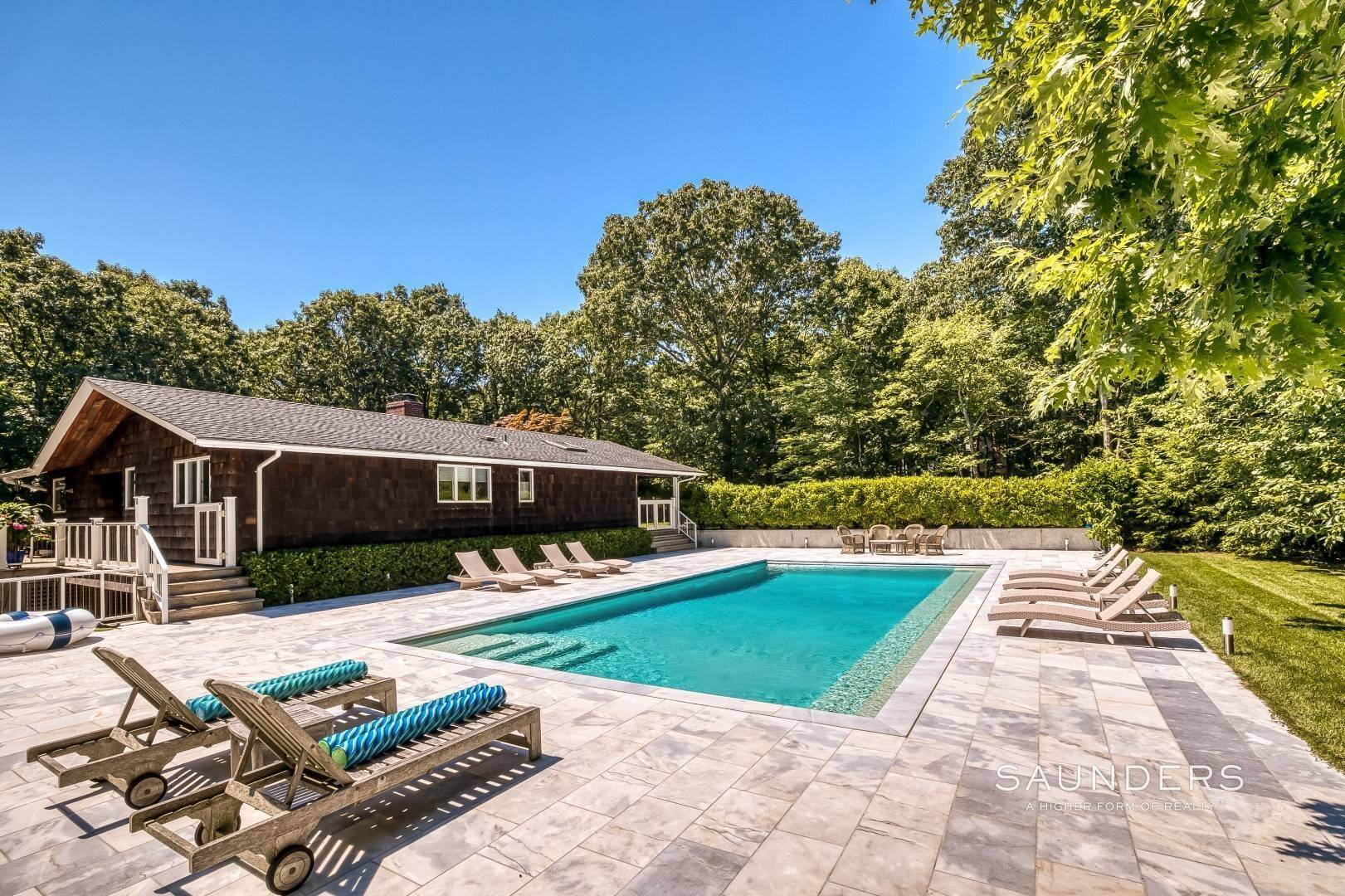 2. Single Family Homes for Sale at Shelter Island Resort Style Retreat With Pool Near Beach 8 Hay Beach Road, Shelter Island Heights, Shelter Island, NY 11964