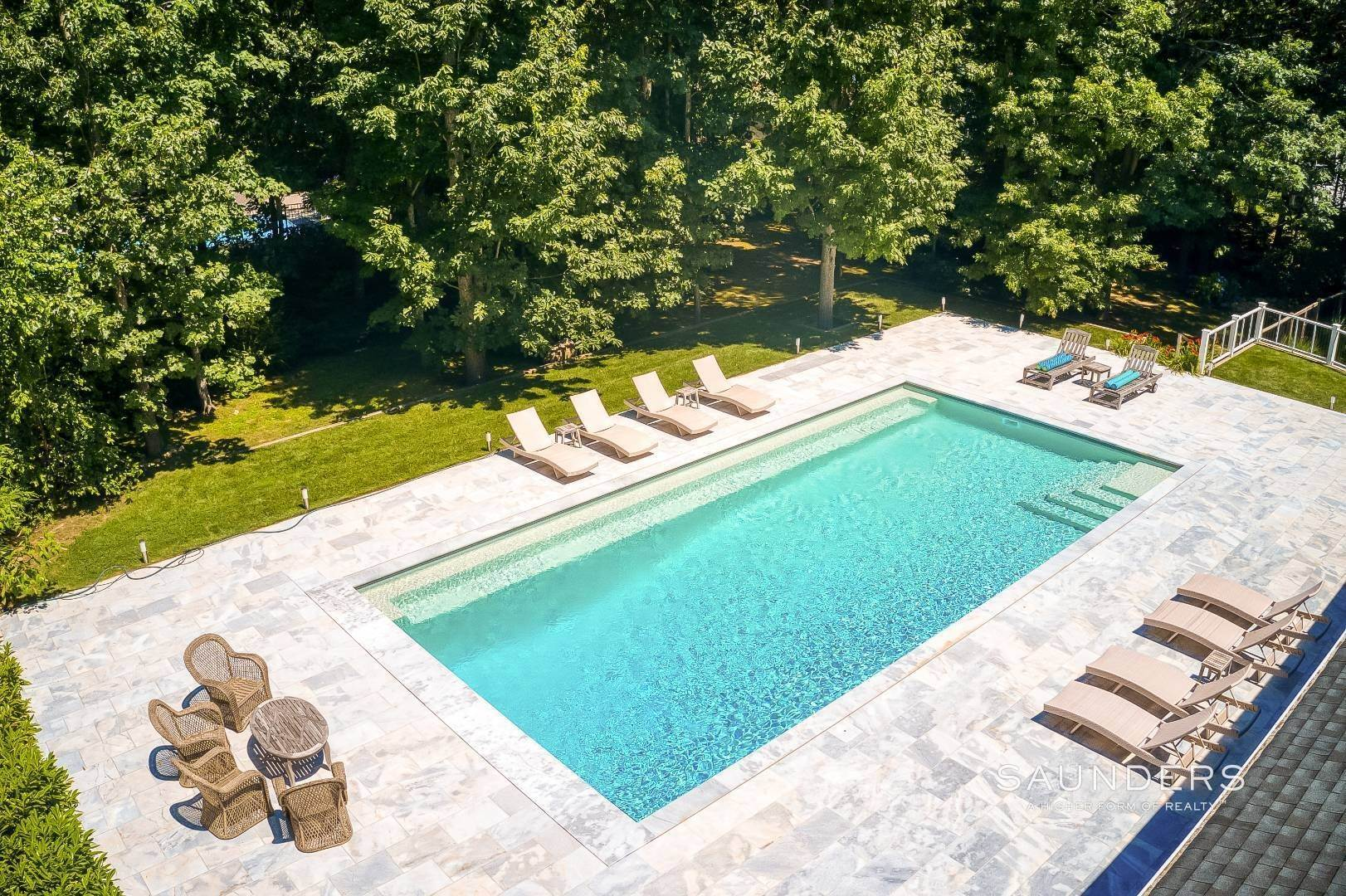 5. Single Family Homes for Sale at Shelter Island Resort Style Retreat With Pool Near Beach 8 Hay Beach Road, Shelter Island Heights, Shelter Island, NY 11964