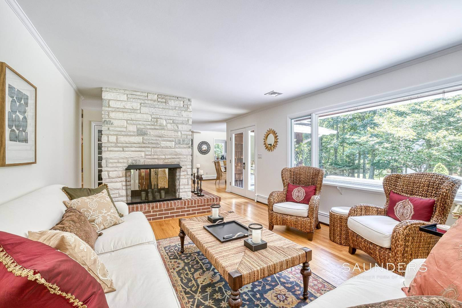 13. Single Family Homes for Sale at Shelter Island Resort Style Retreat With Pool Near Beach 8 Hay Beach Road, Shelter Island Heights, Shelter Island, NY 11964