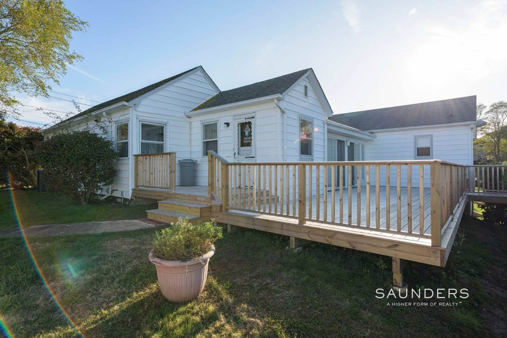 19. Single Family Homes for Sale at One Of A Kind Offered For The First Time! 100 South Fairview Avenue, Montauk, East Hampton Town, NY 11954