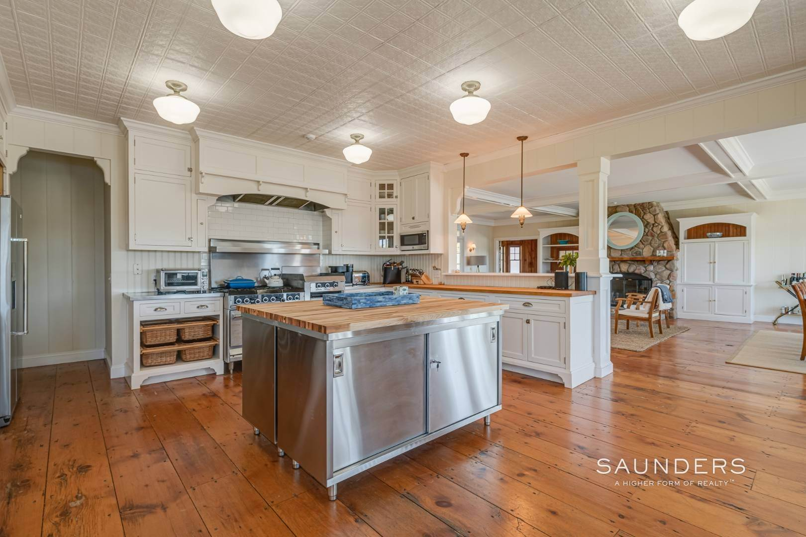 11. Single Family Homes at Fabulous Bay Rental For August In Quogue 33 Ogden Lane, Quogue Village, Southampton Town, NY 11959