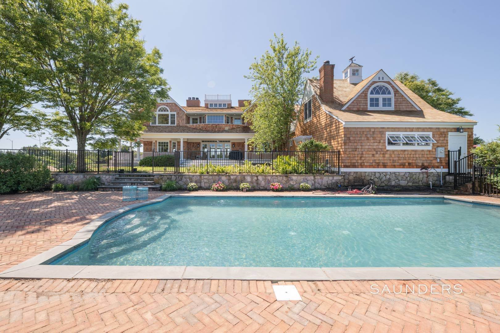 2. Single Family Homes at Fabulous Bay Rental For August In Quogue 33 Ogden Lane, Quogue Village, Southampton Town, NY 11959