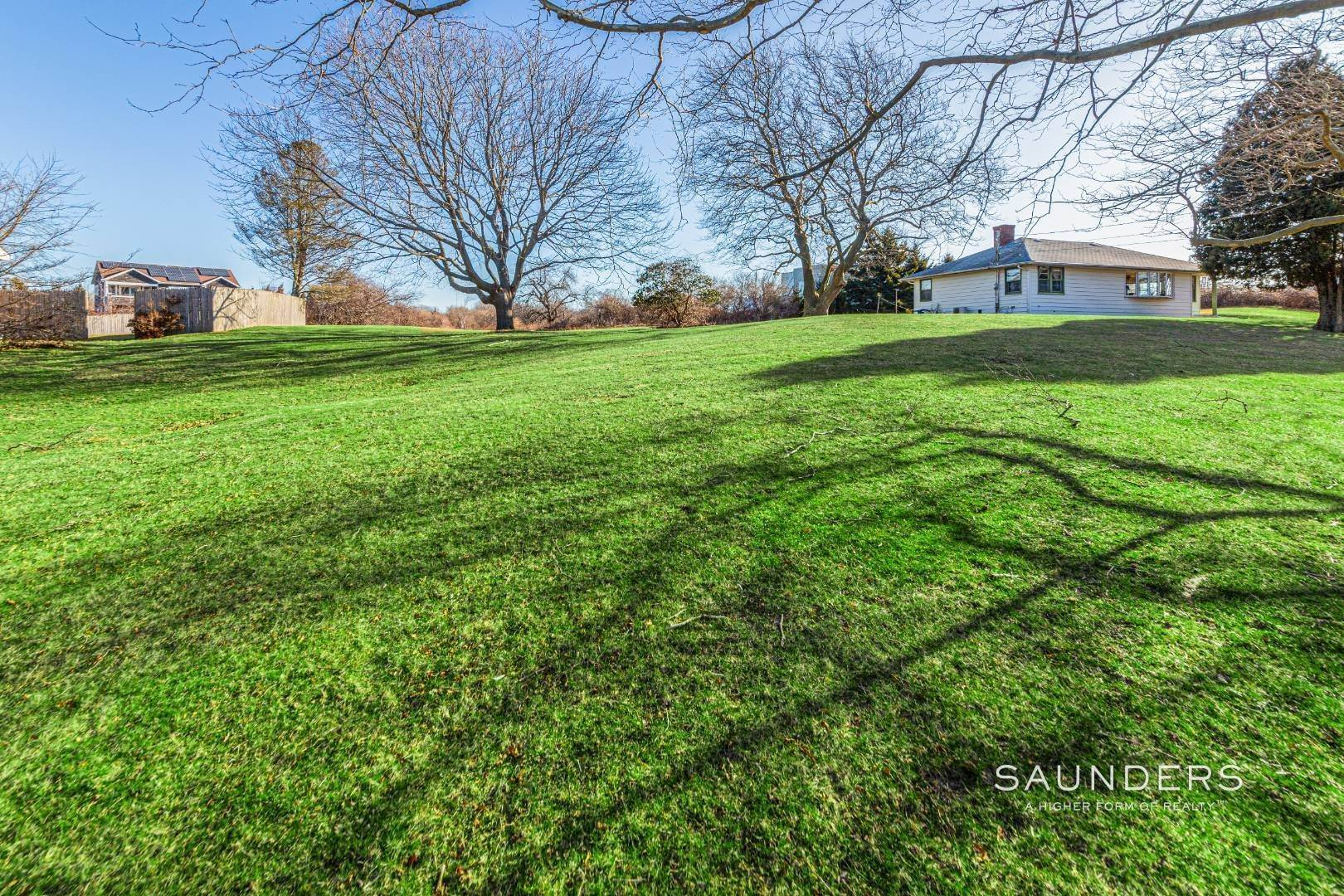 13. Single Family Homes for Sale at Montauk Hilltop 144 South Essex Street, Montauk, East Hampton Town, NY 11954