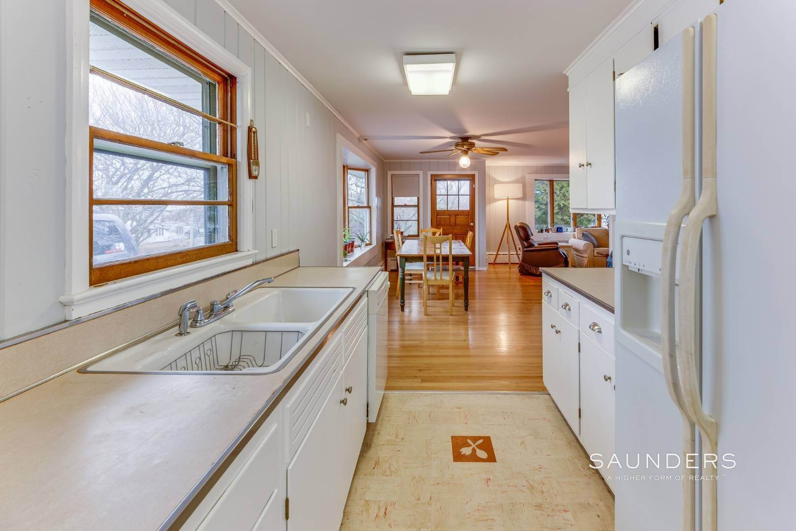 12. Single Family Homes for Sale at Montauk Hilltop 144 South Essex Street, Montauk, East Hampton Town, NY 11954